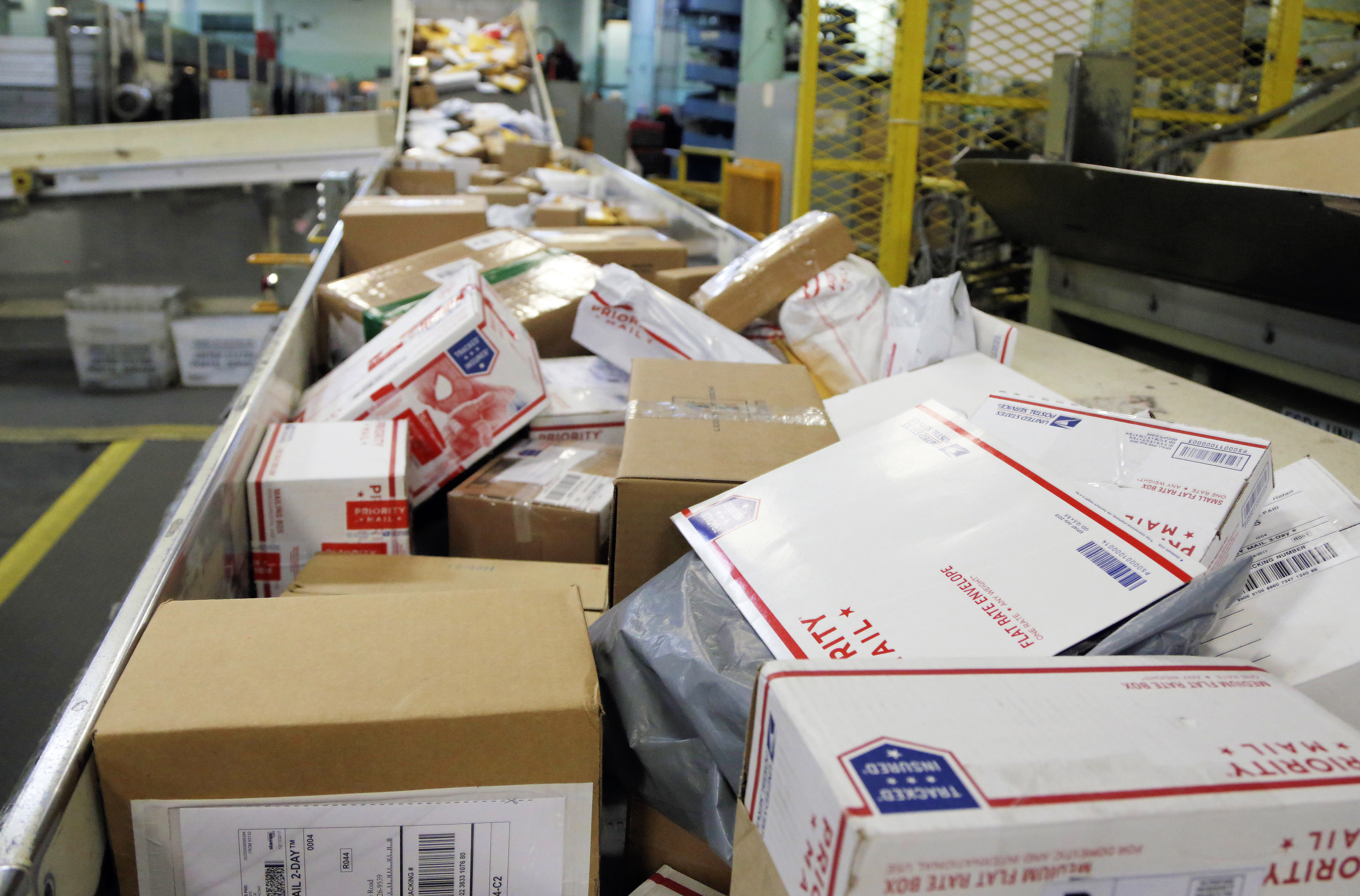 washingtonpost.com - Danielle Paquette - Trump ditches 144-year-old postal pact that boosts Chinese retailers