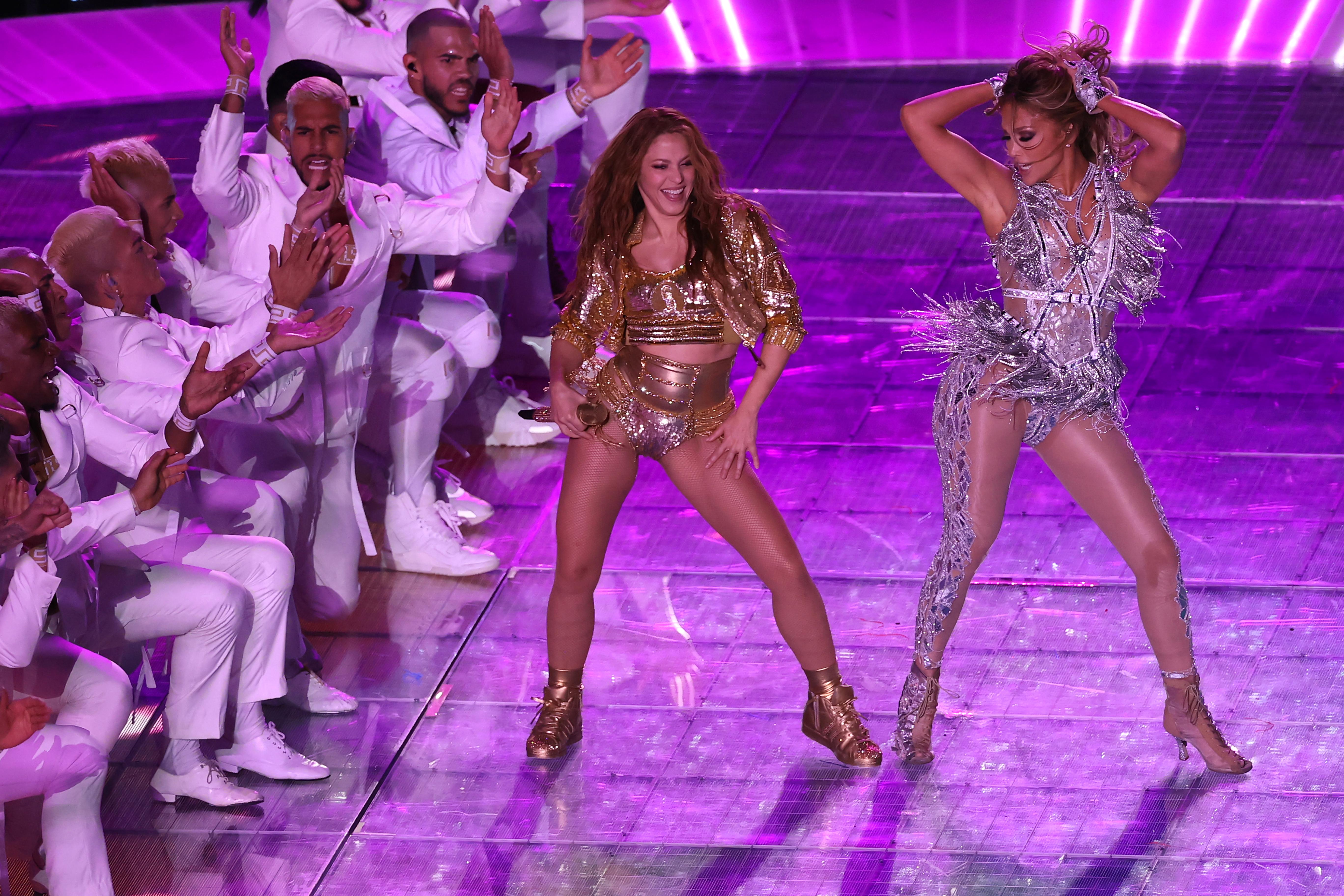 J Lo And Shakira Halftime Show A Ferocious Master Dance Class The Washington Post