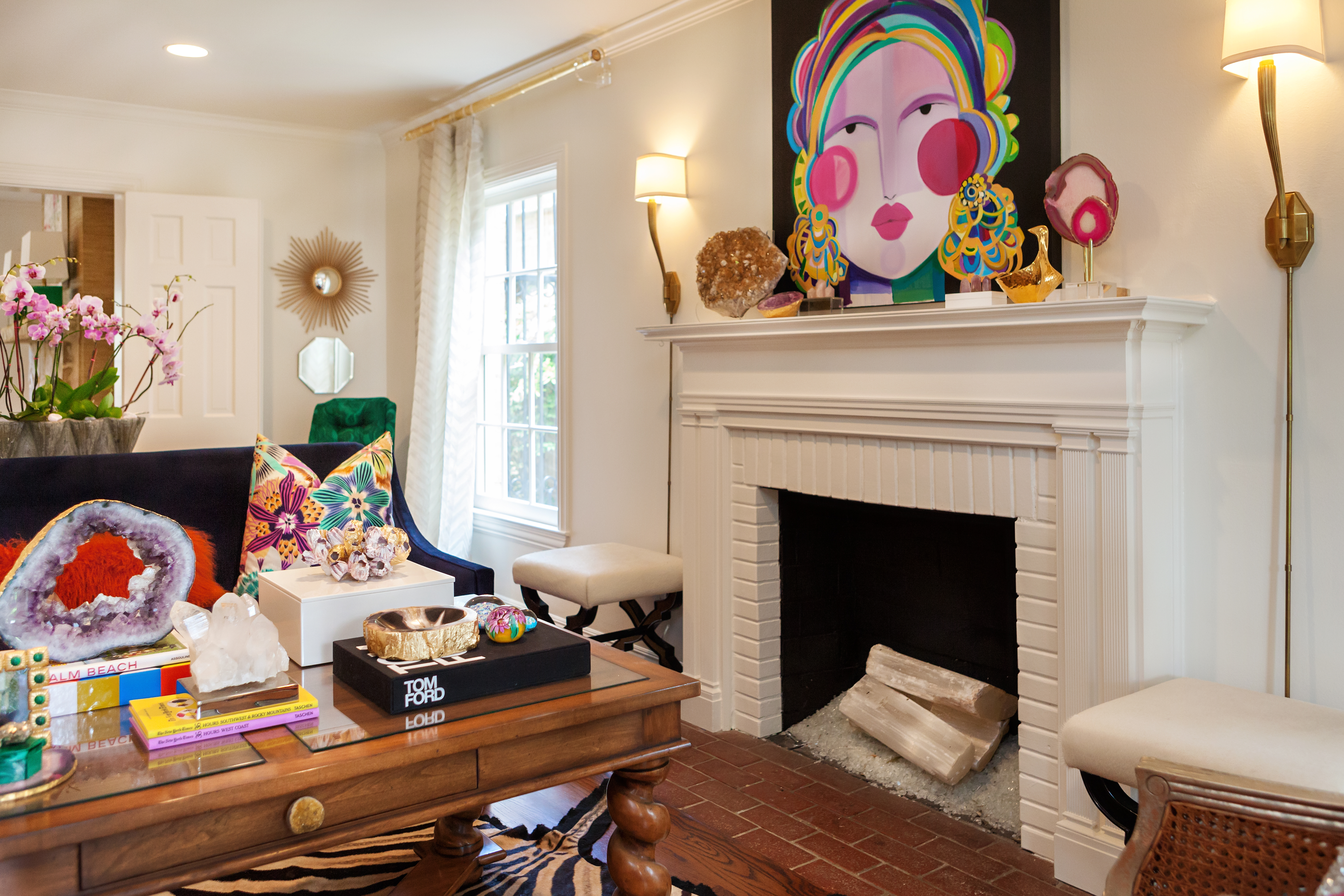 Give Your Fireplace Its Summer Makeover Pros Share Their Secrets