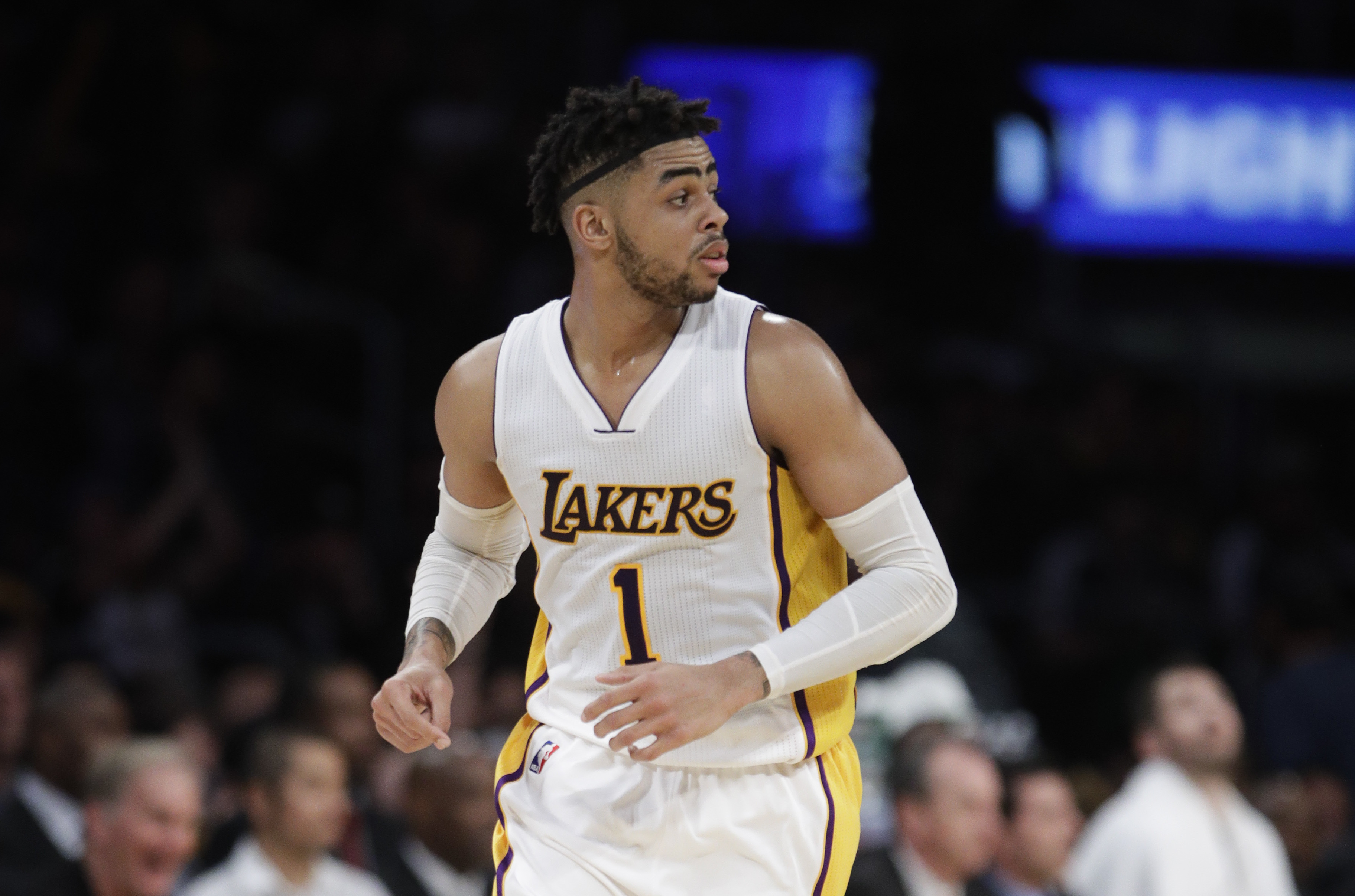 Lakers Deal D Angelo Russell To Nets For Brook Lopez And Free Up