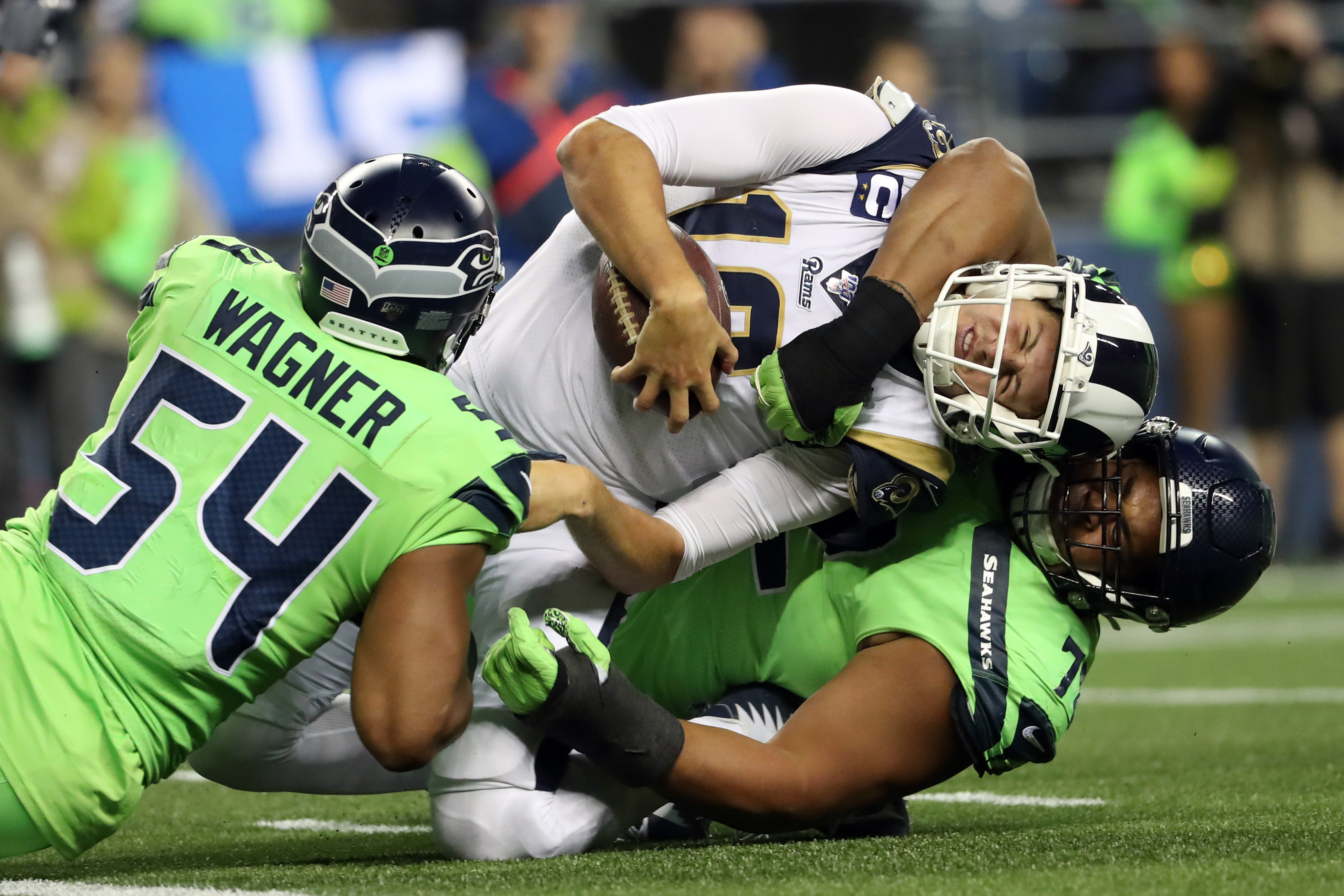 Rams Seahawks Russell Wilson S Electric Performance Leaves