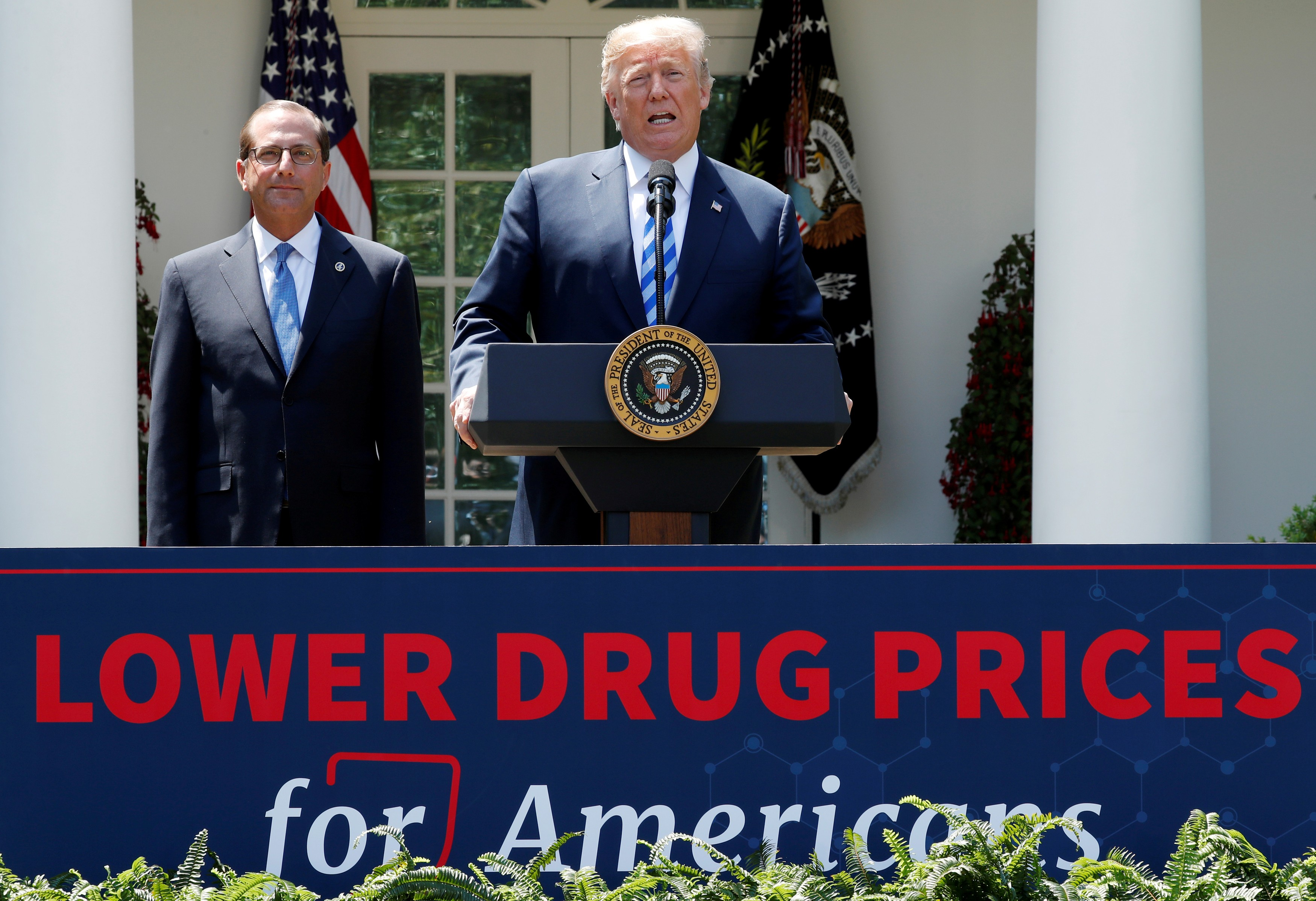 Drug makers fight rule to disclose prices in TV ads - The