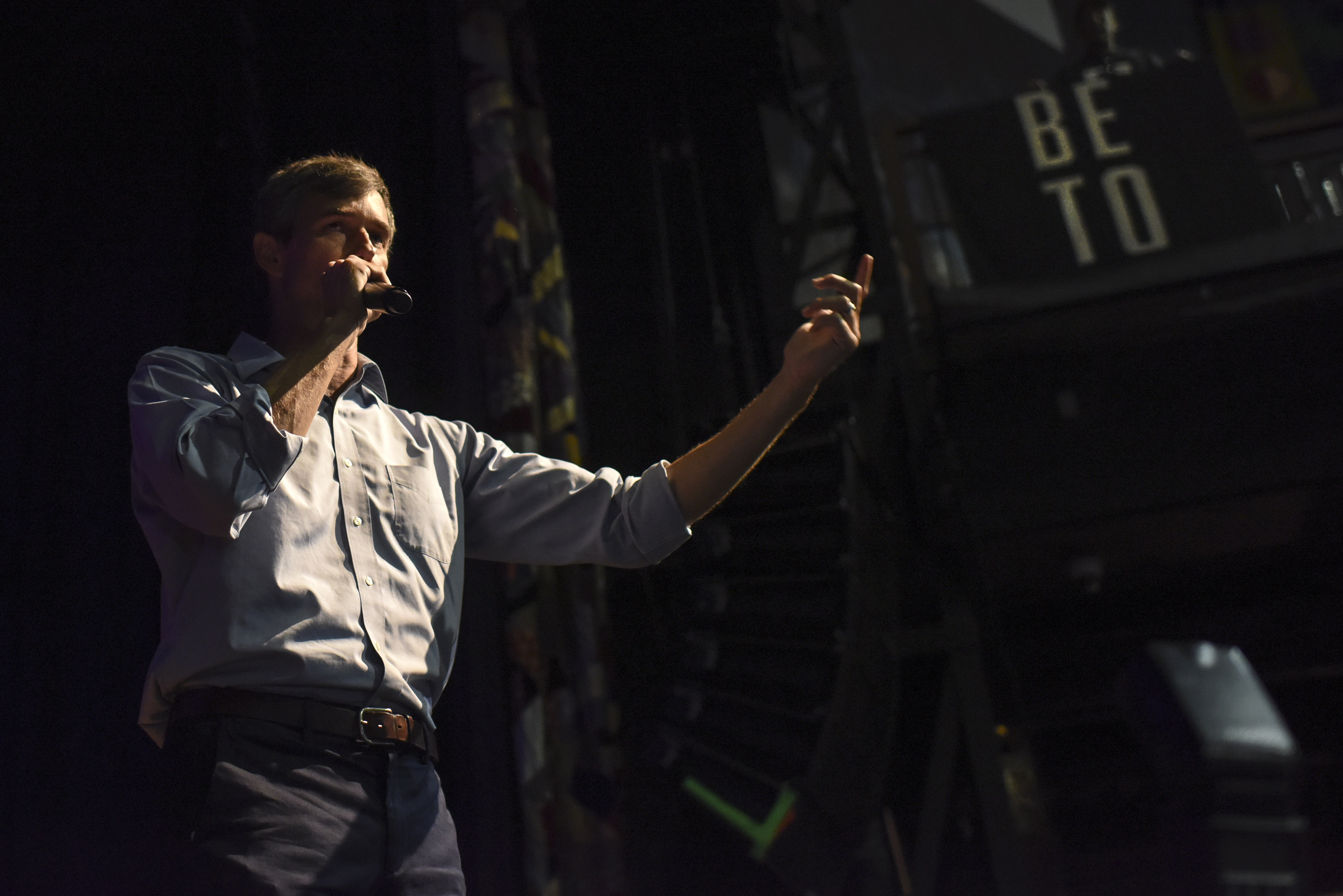 Beto O'Rourke, in jeans and shirt sleeves, is wardrobed like disrupter.