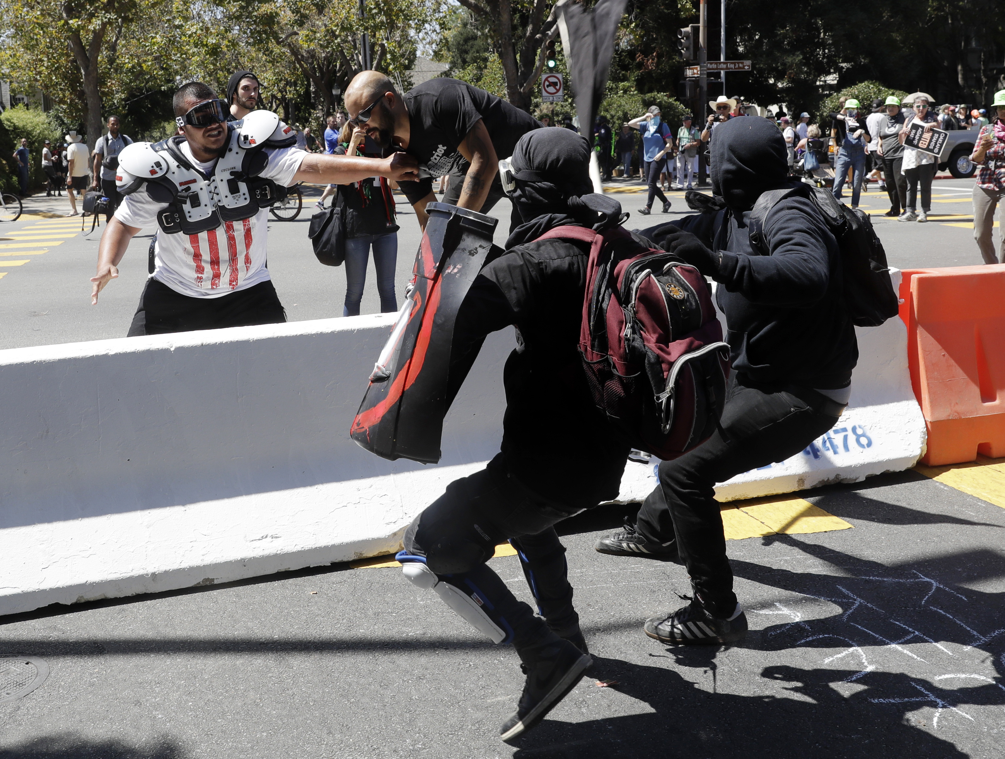 Black-clad antifa members attack peaceful right-wing demonstrators in  Berkeley - The Washington Post