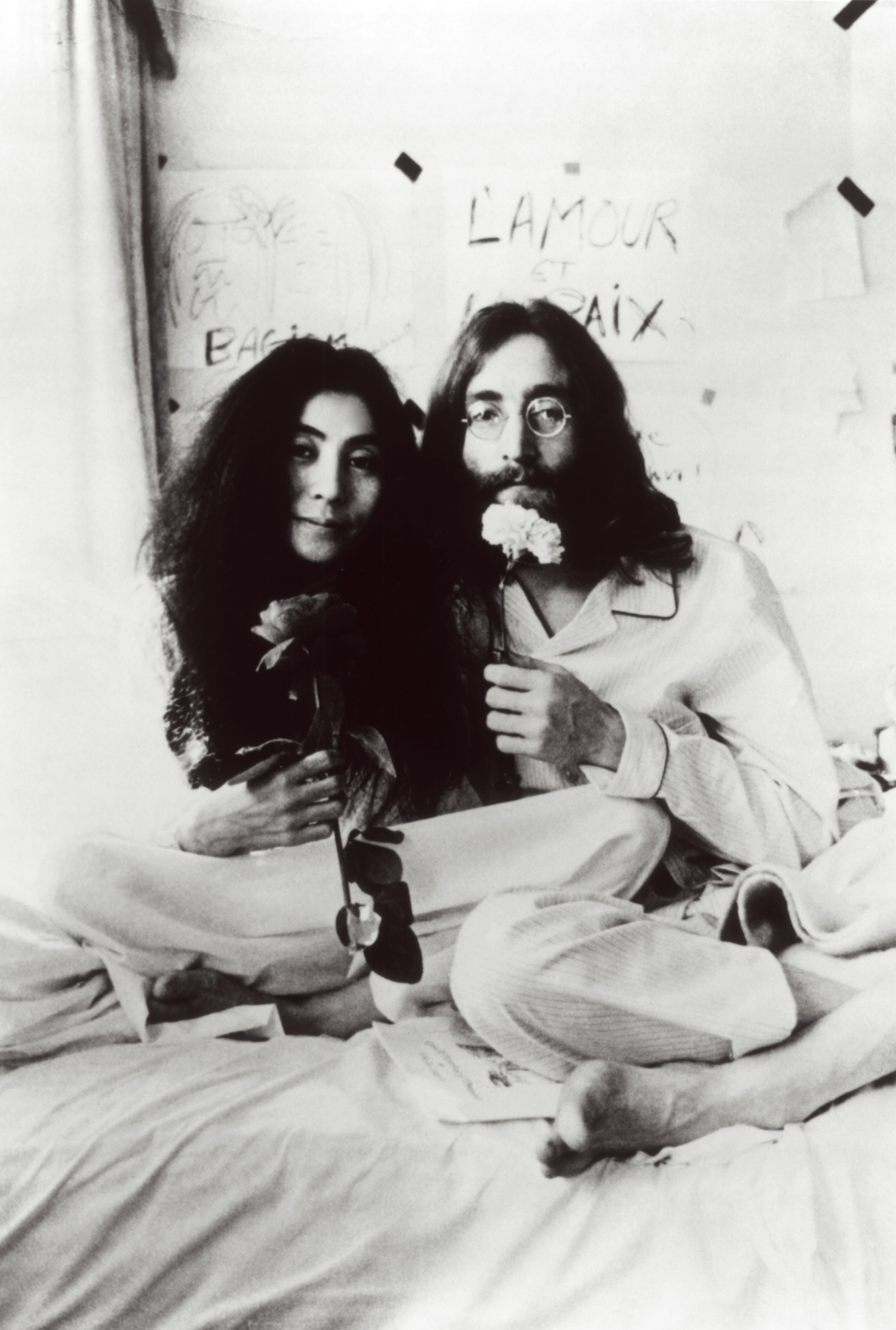 John Lennon And Yoko Ono S 1969 Bed In For Peace Was An Anti War Protest And Honeymoon The Washington Post