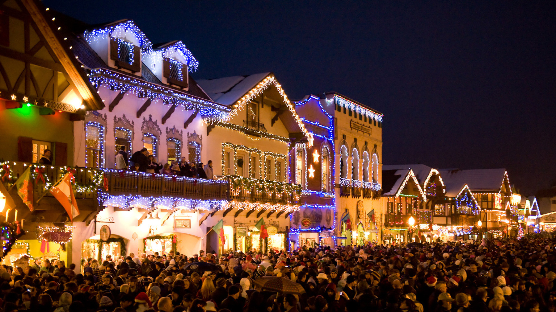 Leavenworth German Christmas Town Washington.Take A Virtual Drive Through The Most Christmas Y Town In