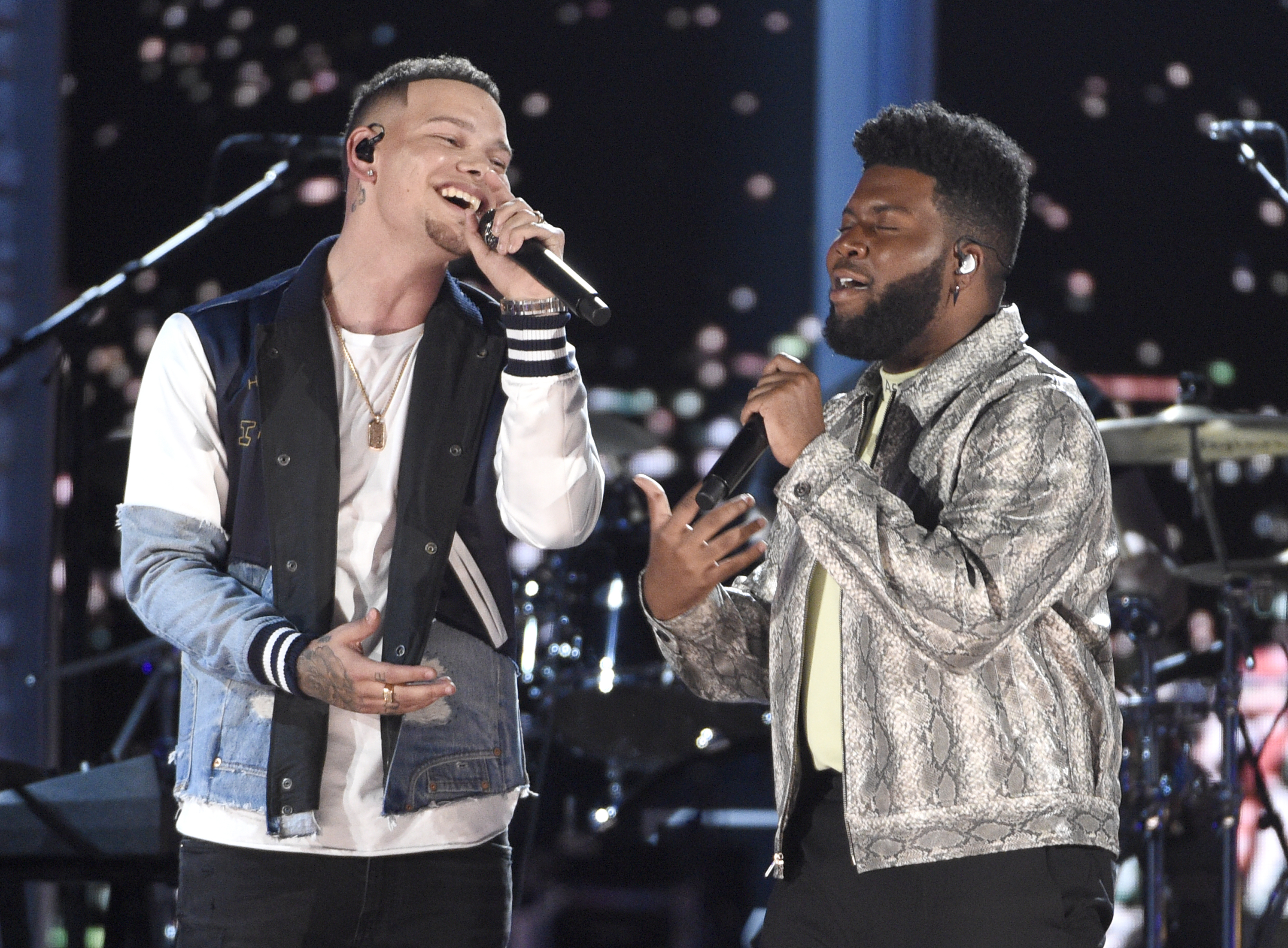 "Kane Brown, left, and Khalid perform ""Saturday Nights."" (Chris Pizzello/Invision/AP)"