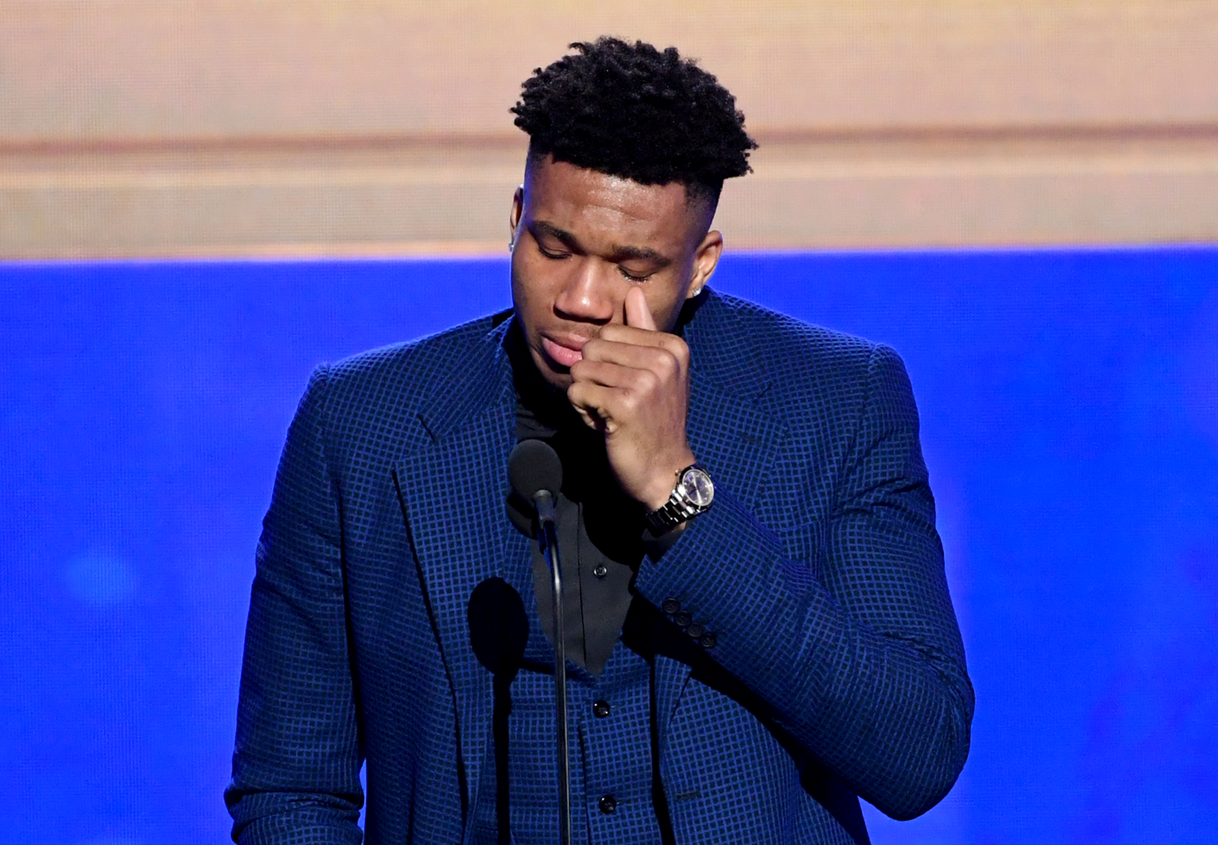 Giannis Antetokounmpo Wins Nba Mvp Award Completing Rise From Unknown To Superstar The Washington Post