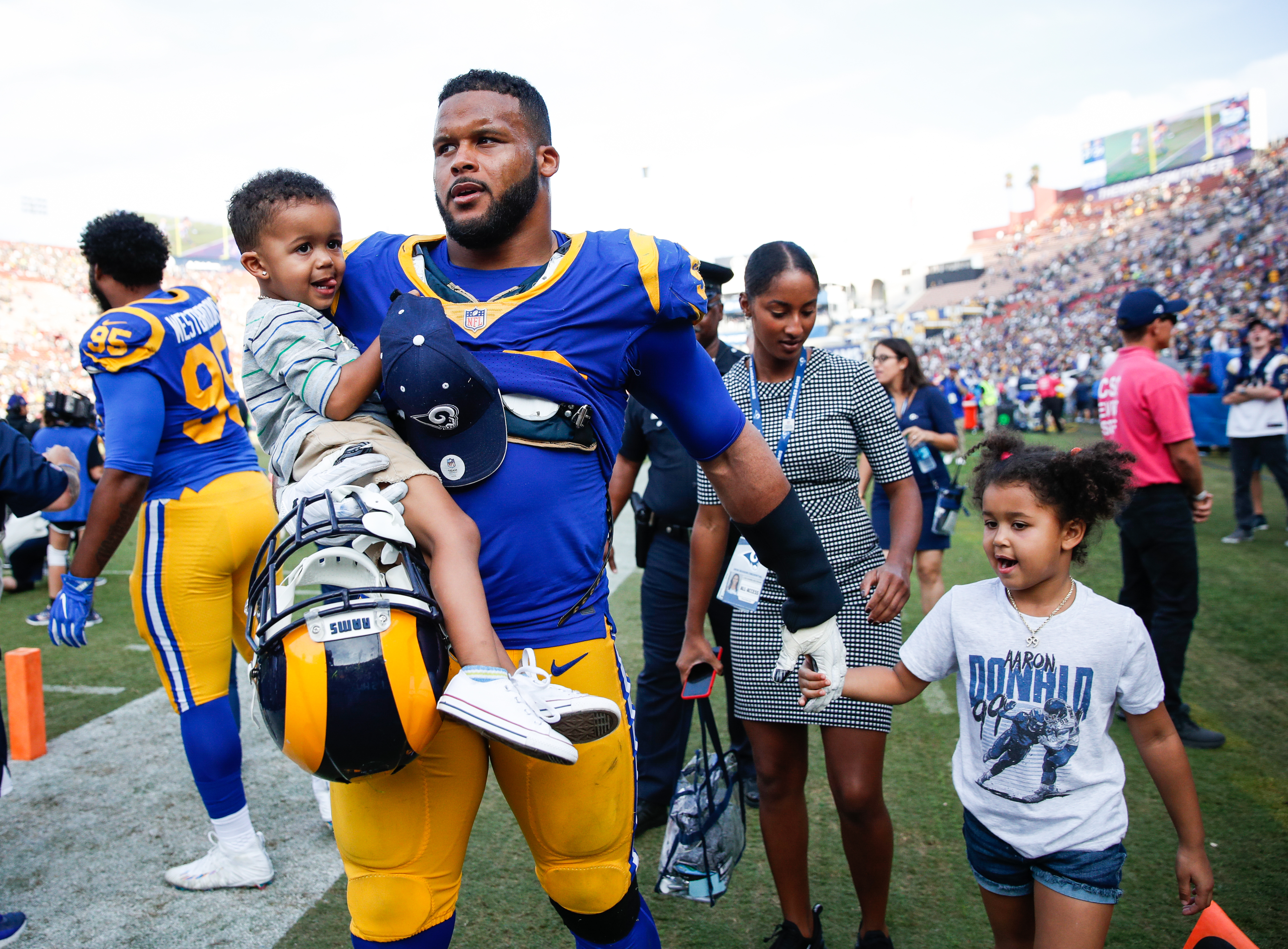 Aaron Donald 285 Pounds Of Dynamite Is Nfl S Ultimate Outlier In An Offense Heavy Season The Washington Post