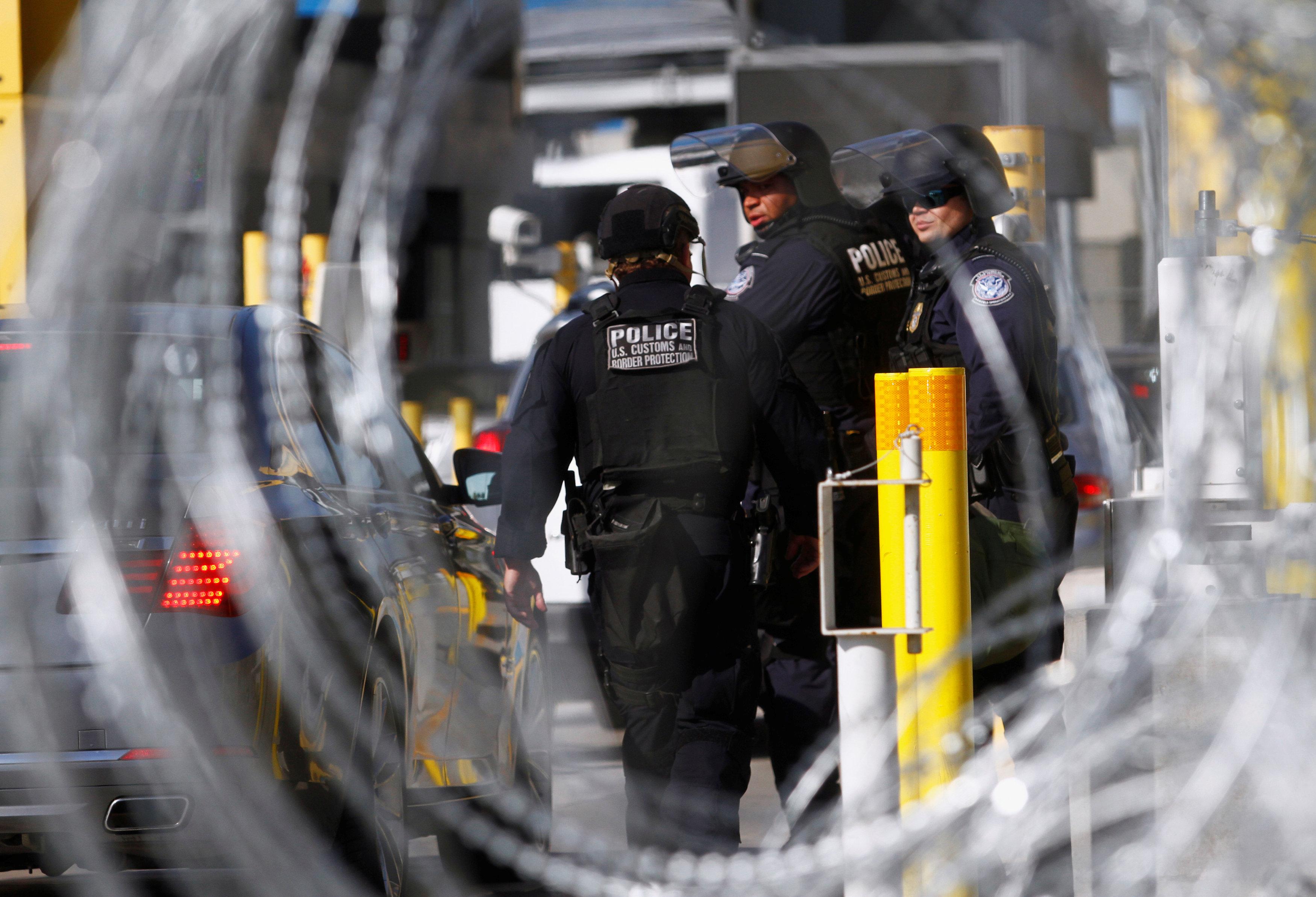 washingtonpost.com - Devlin Barrett, Mark Berman - FBI, federal agents see cases hampered, lives rattled as shutdown continues