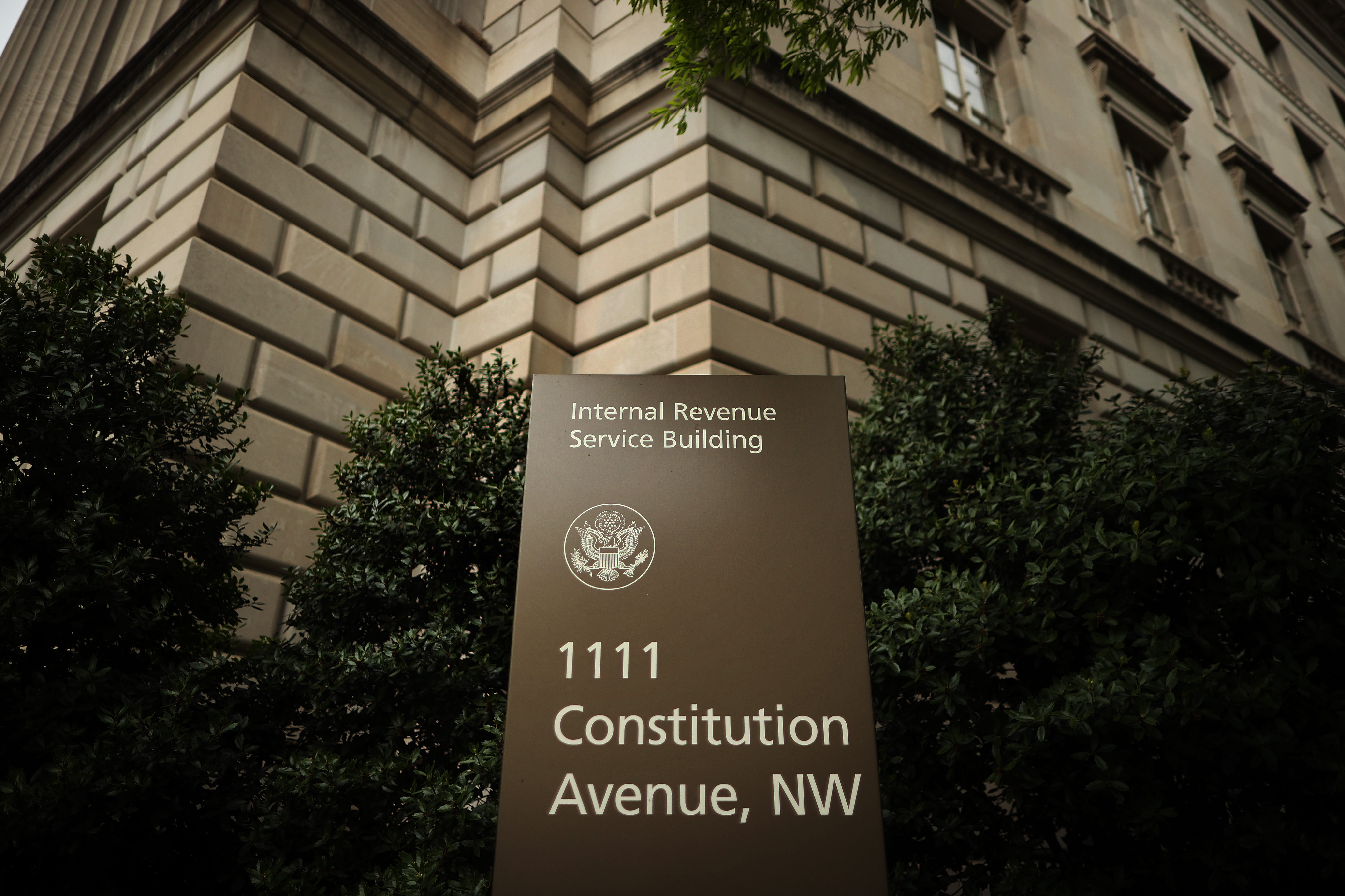 As The Irs Struggles To Open Mail And Answer The Phone Taxpayers Face Delays The Washington Post