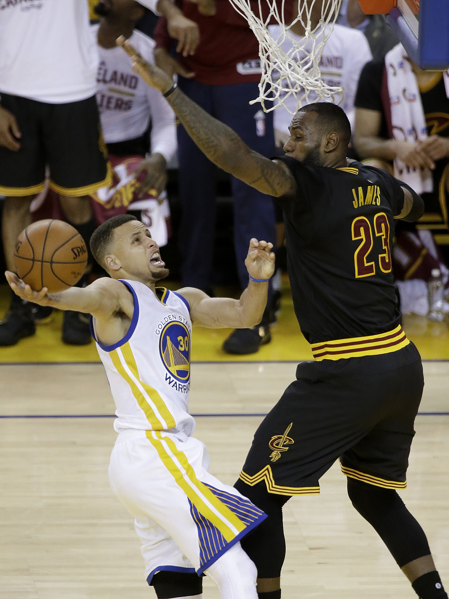 ba83d8072f0 Looking back on the Warriors-Cavaliers NBA Finals history