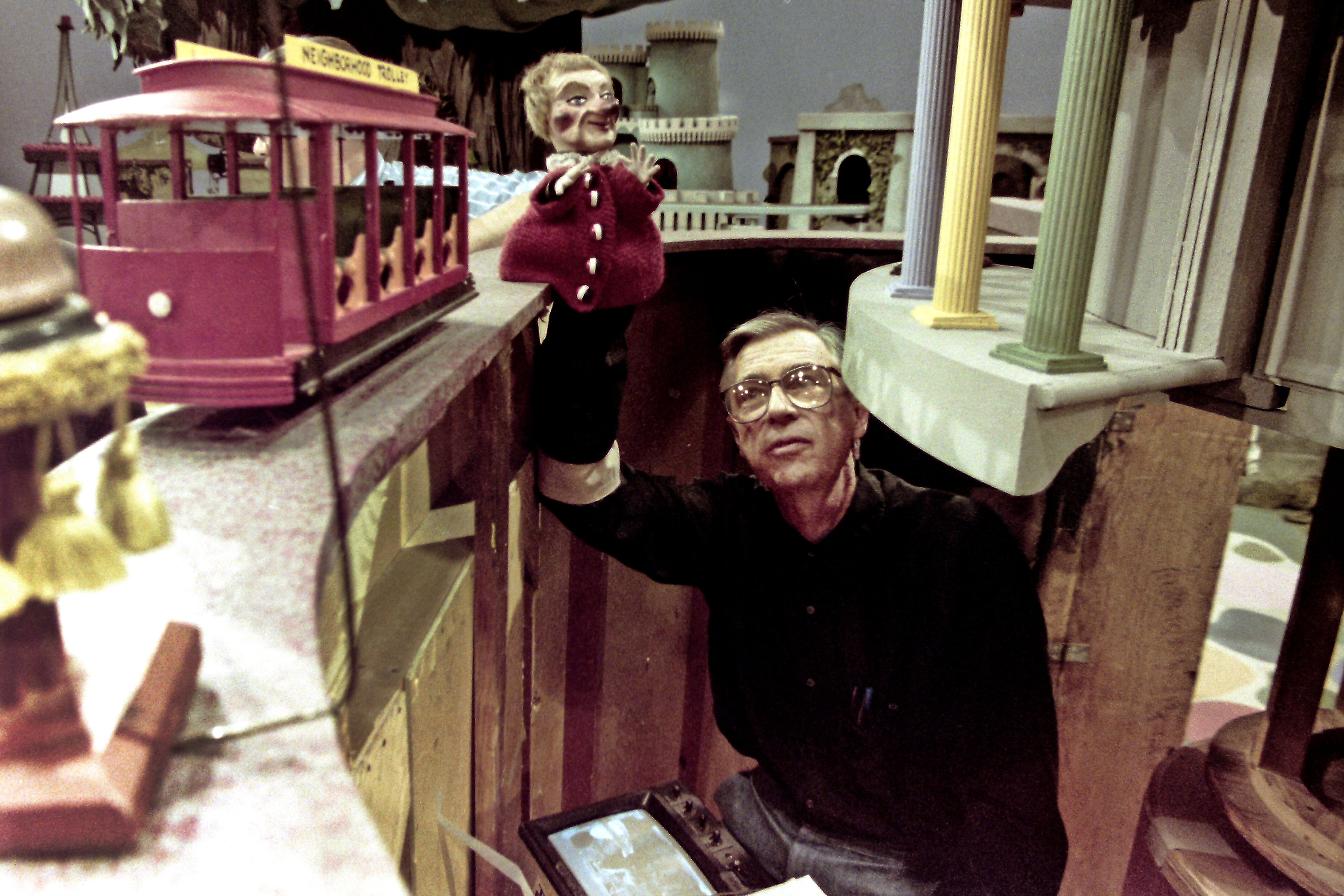 What Happened When I Showed Vintage Mister Rogers To My 21st Century Kids The Washington Post