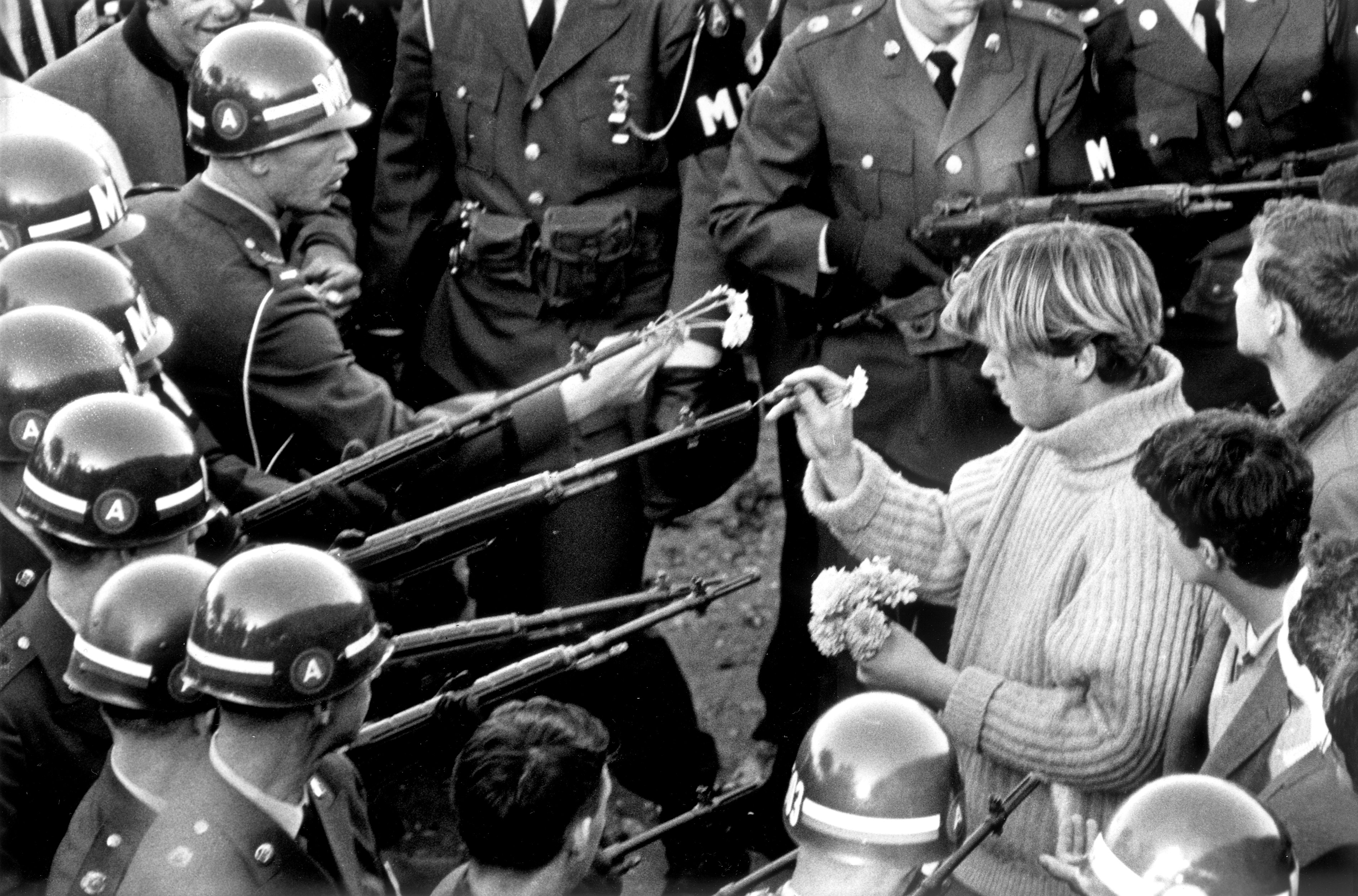 Vietnam War Protests The 1967 March On The Pentagon The Washington Post