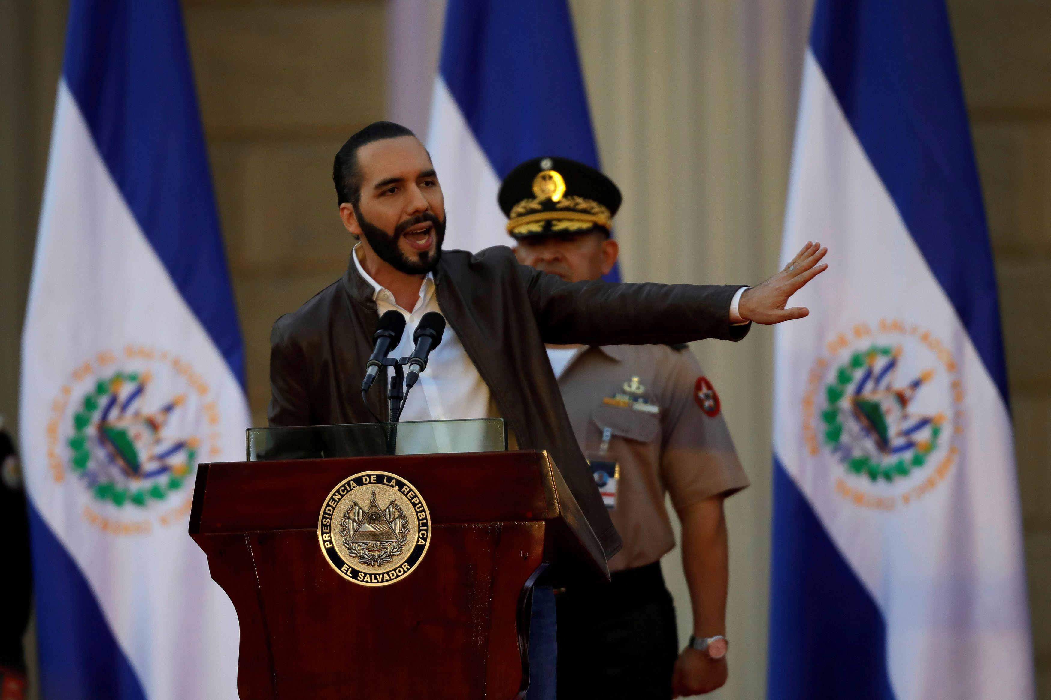 Resultado de imagen de El Salvador, President Nayib Bukele closed the borders to foreigners