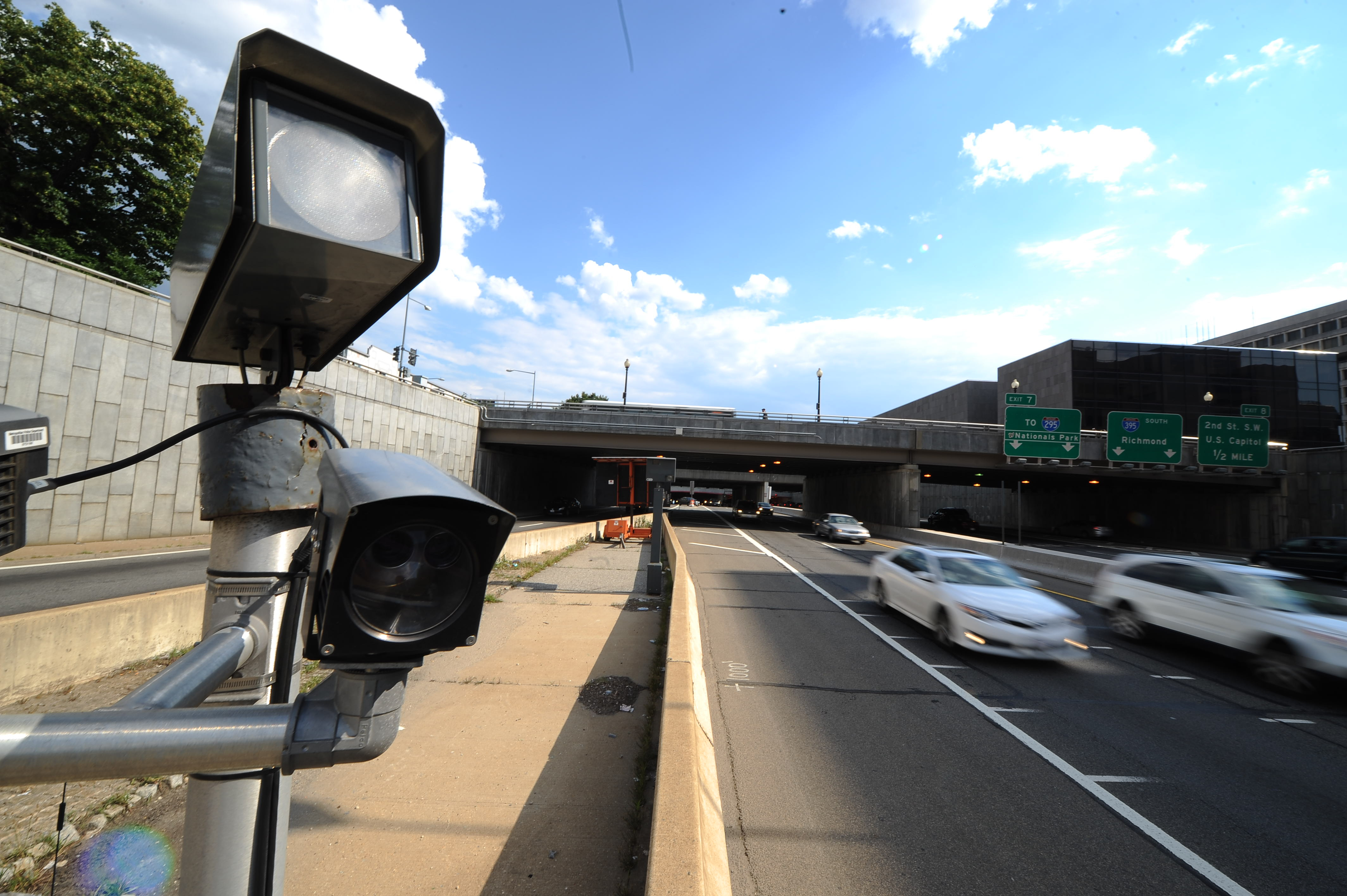 Drivers continue to ignore speed cameras in the District