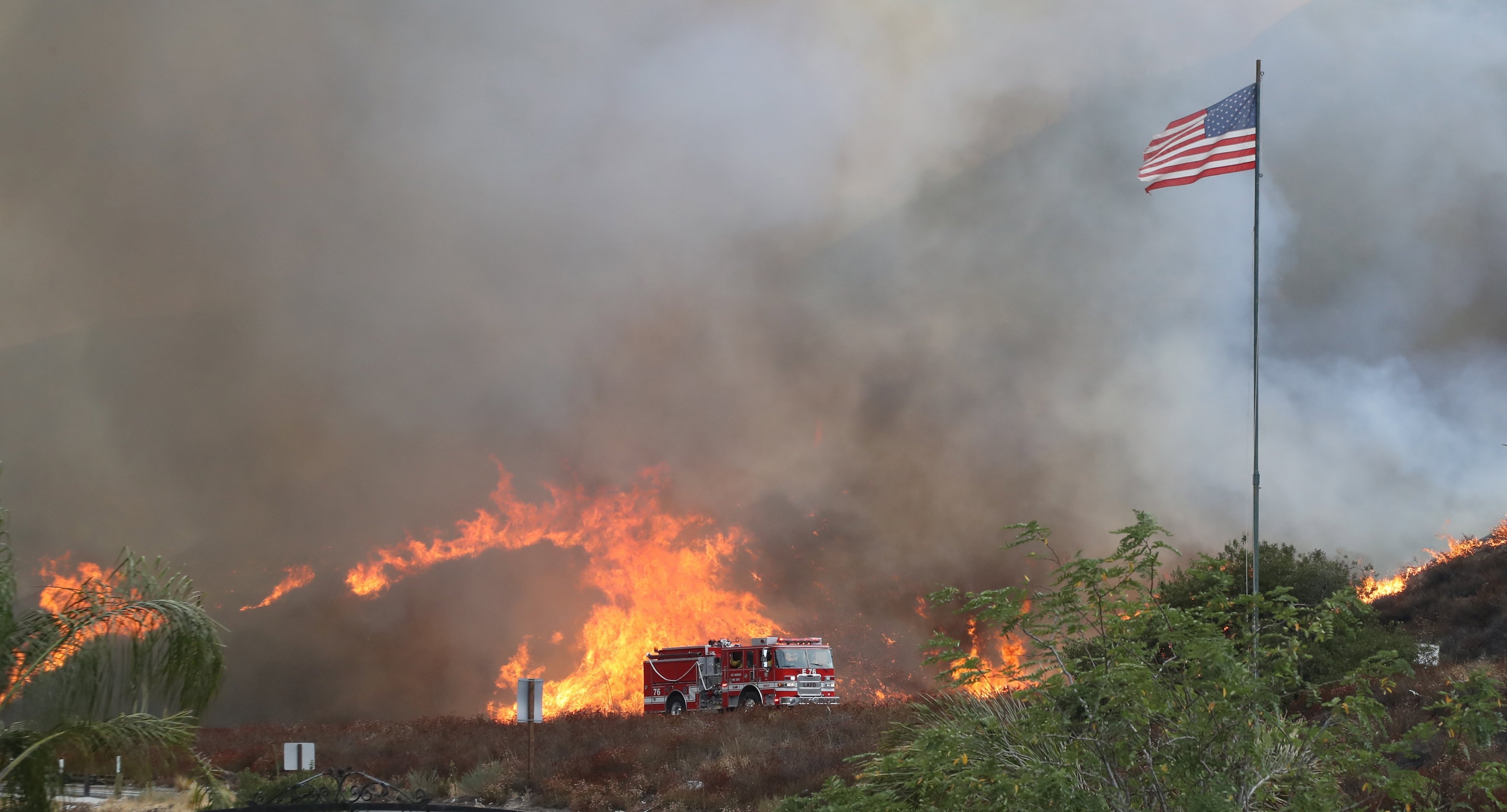 Largest fire in Los Angeles history forces hundreds to