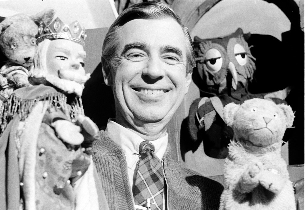 Mister Rogers Neighborhood How Fred Rogers Talked To Kids About Death And War The Washington Post