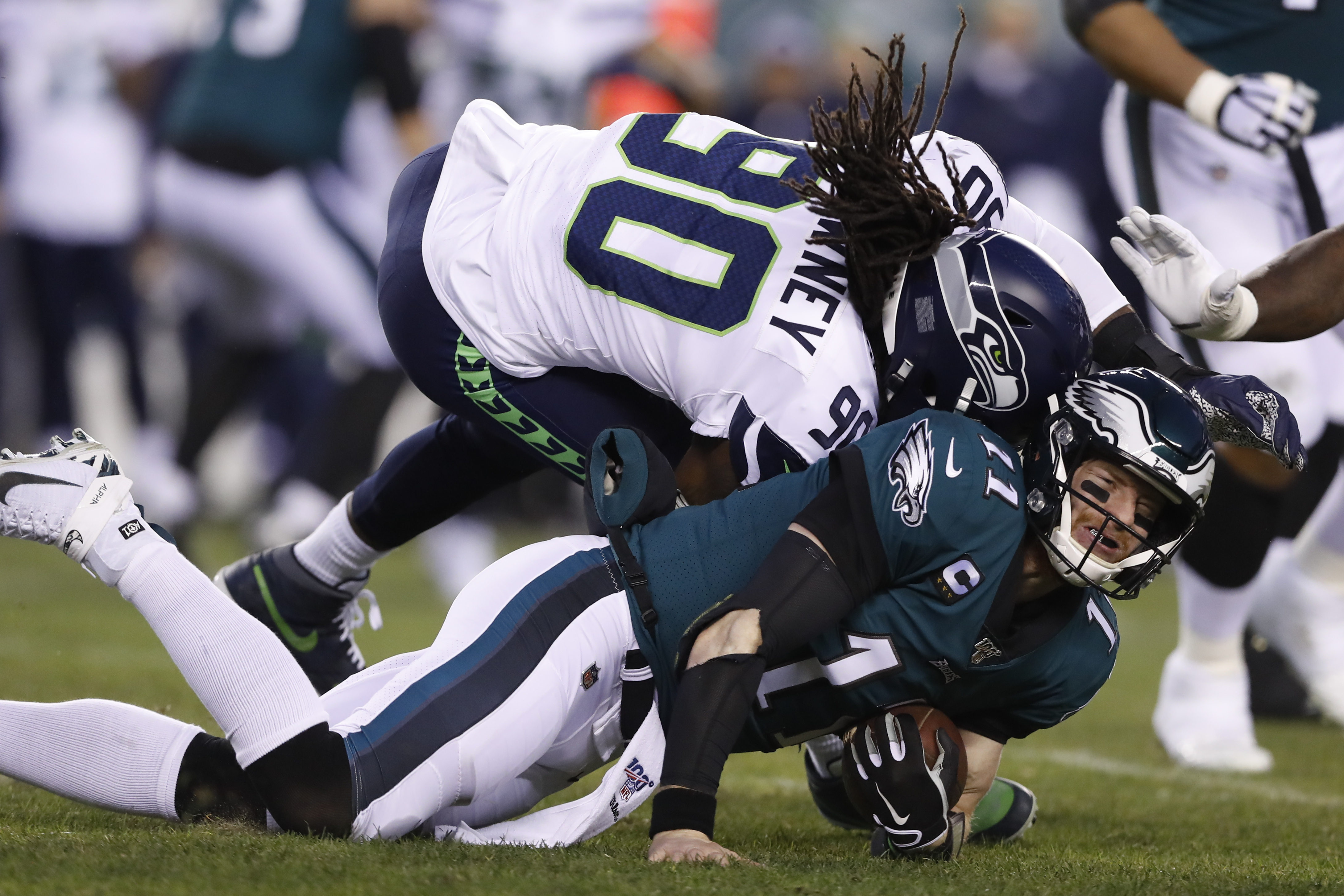 Carson Wentz Injury Eagles Qb Knocked Out Of Playoff Game With Head Injury The Washington Post