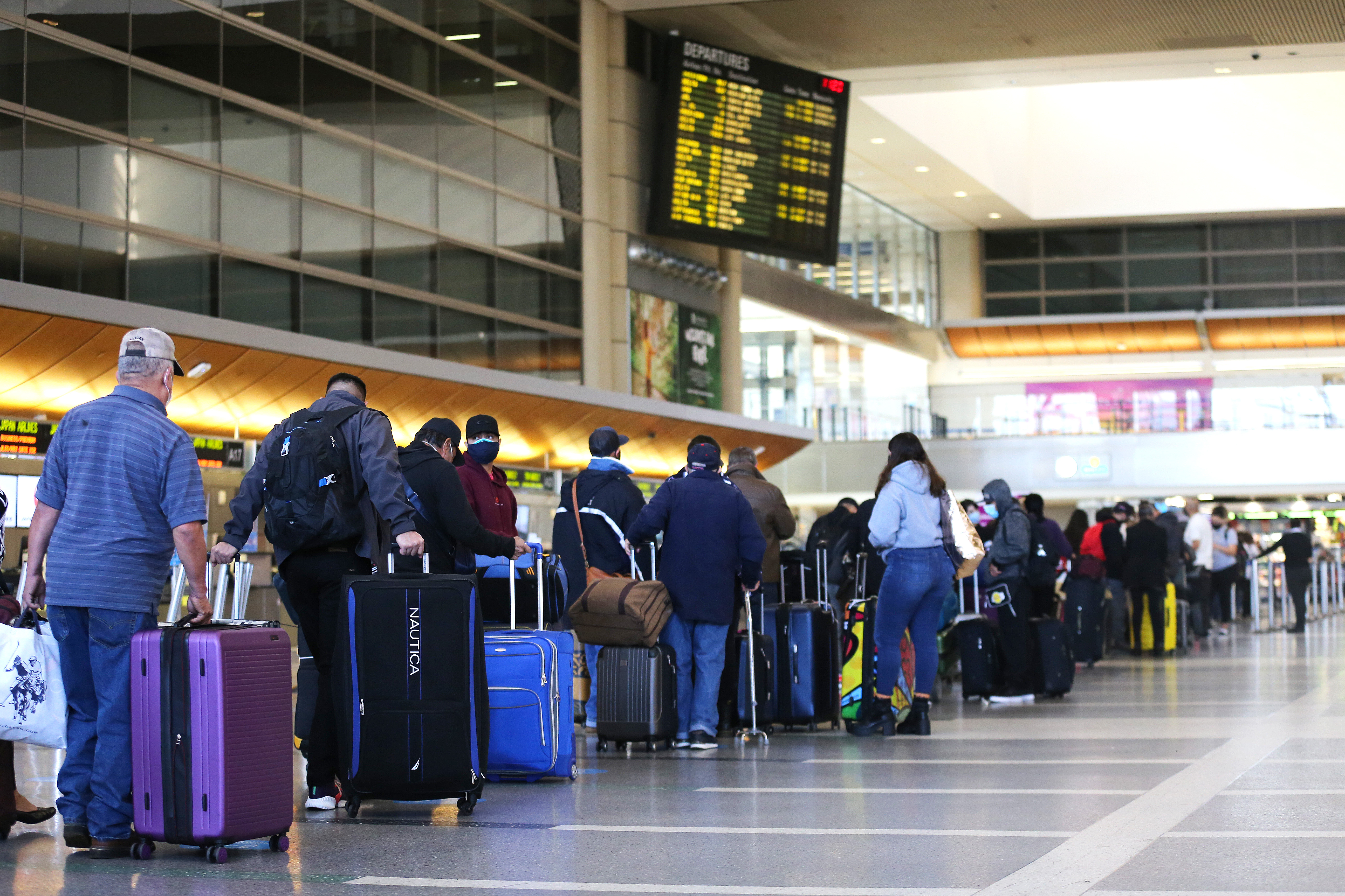 Christmas Day At Dfw Airport 2021 Tsa Wait Times Record Number Of Air Travelers Hit During Christmas Weekend The Washington Post
