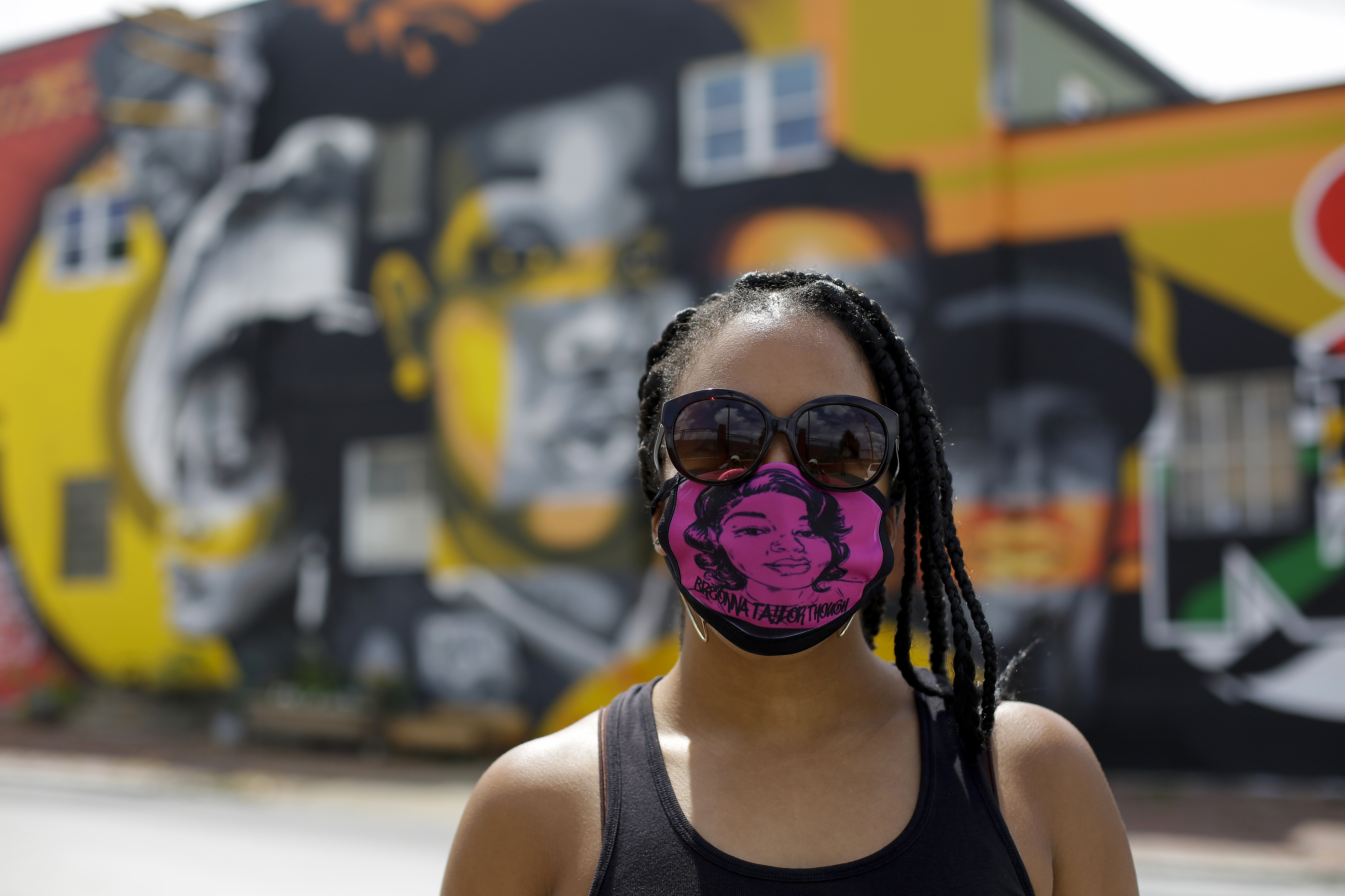 As Breonna Taylor Protests Stretch Into 12th Week Calls For Officers Arrests Intensify The Washington Post