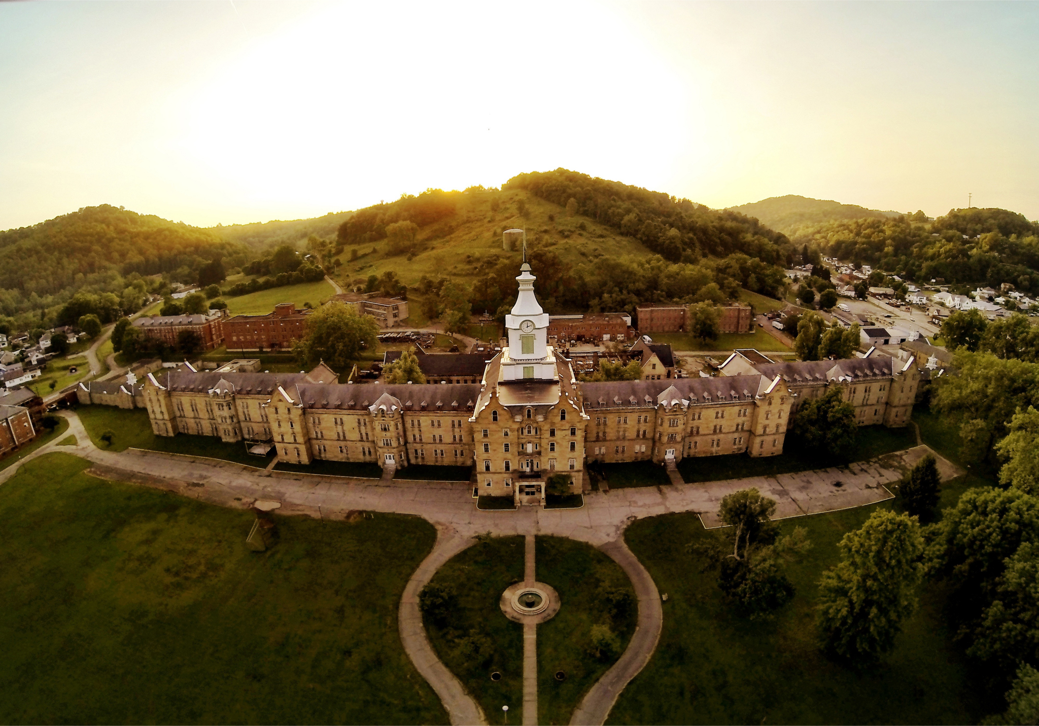 In West Virginia A Moving Respectful Tour Of The Trans Allegheny Lunatic Asylum The Washington Post