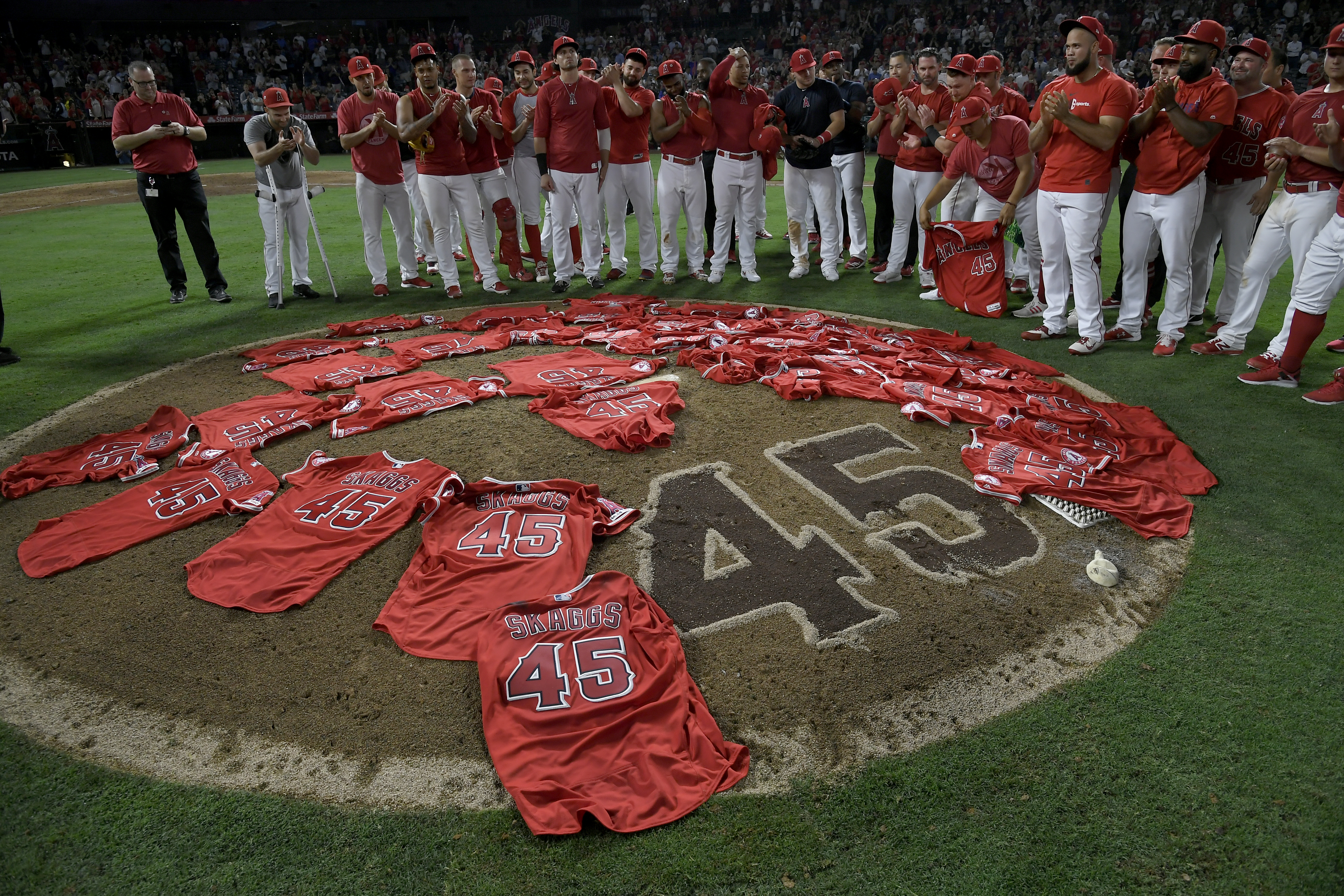 Angels no-hitter honors Tyler Skaggs