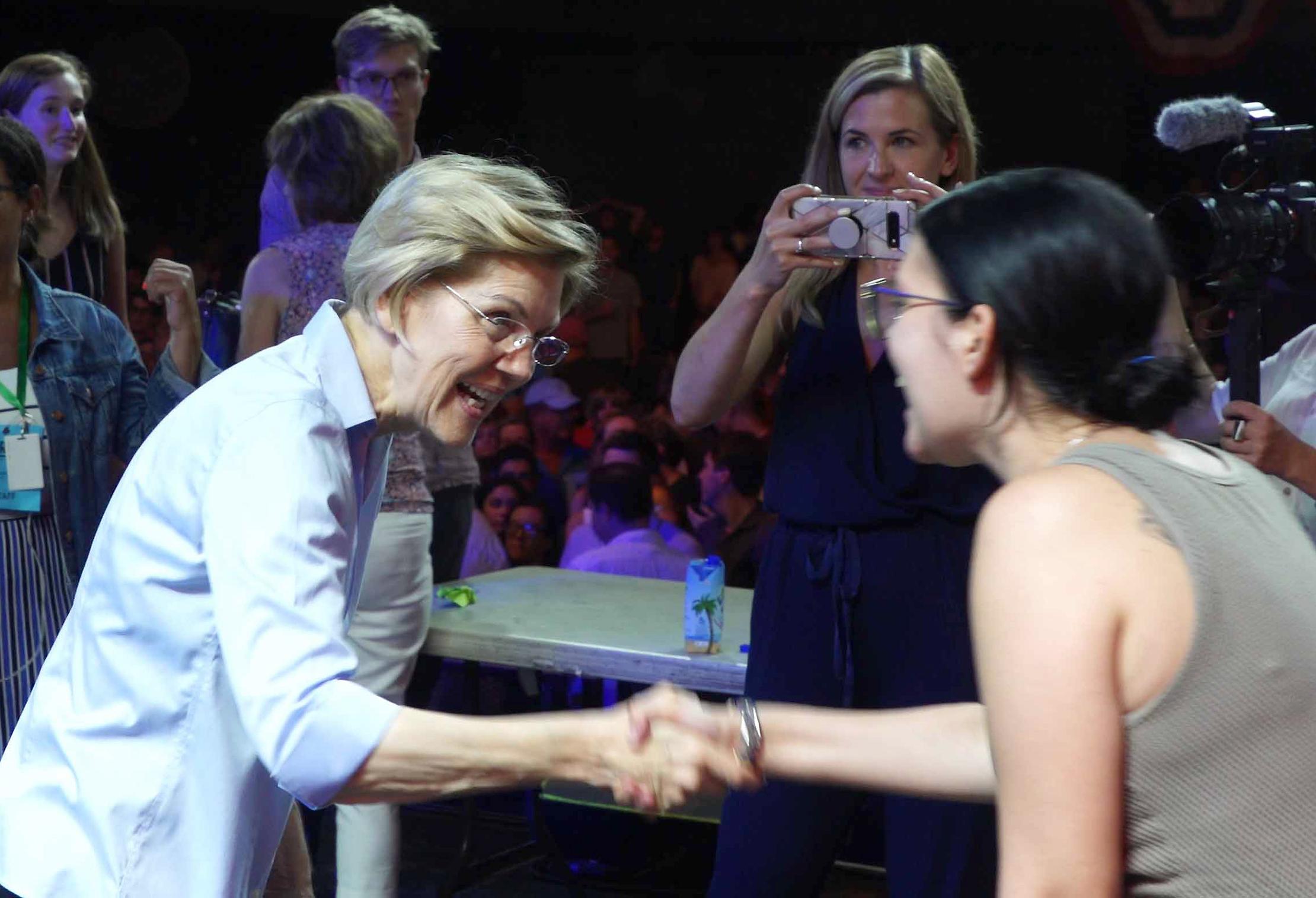 I like Elizabeth Warren. Too bad she's a hypocrite. - The Washington Post