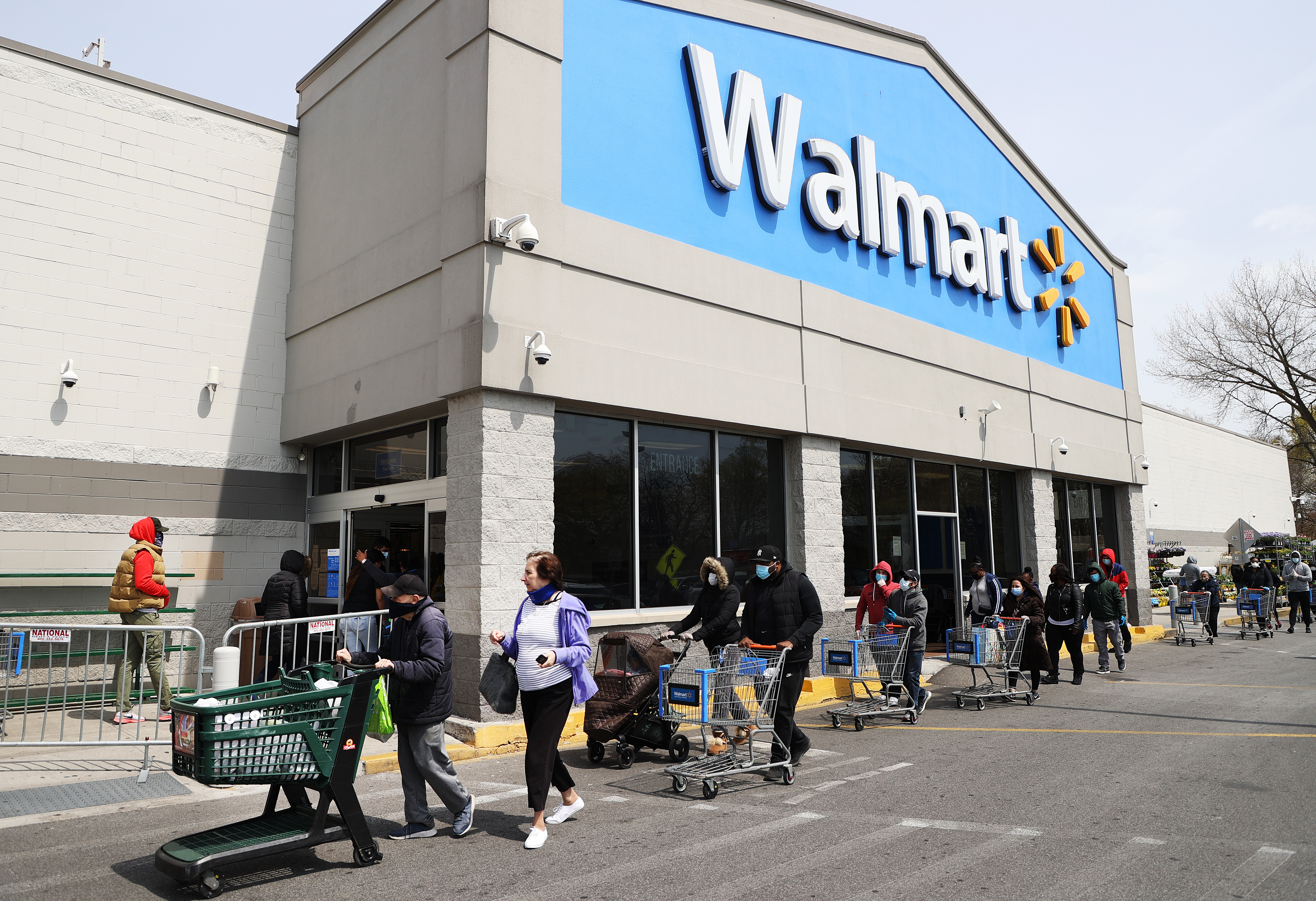 Walmart Turning 160 Store Parking Lots Into Drive In Movie