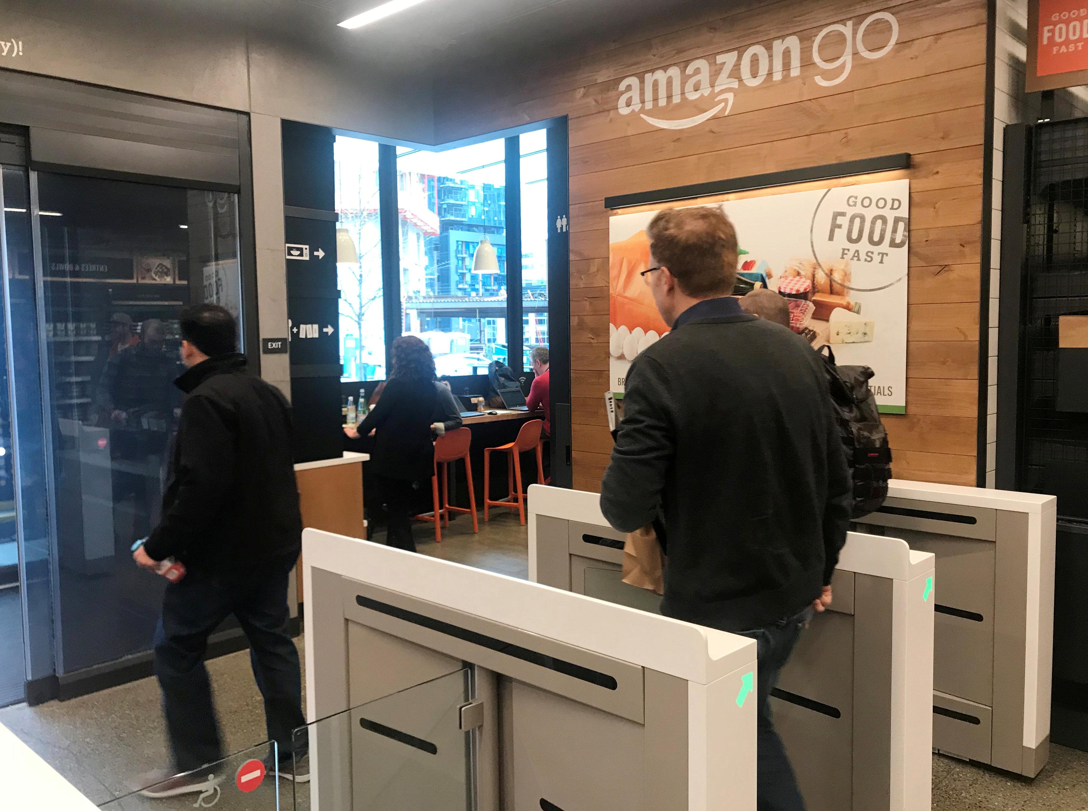 washingtonpost.com - Rachel Siegel - Why Amazon Go could swoop into airport retail