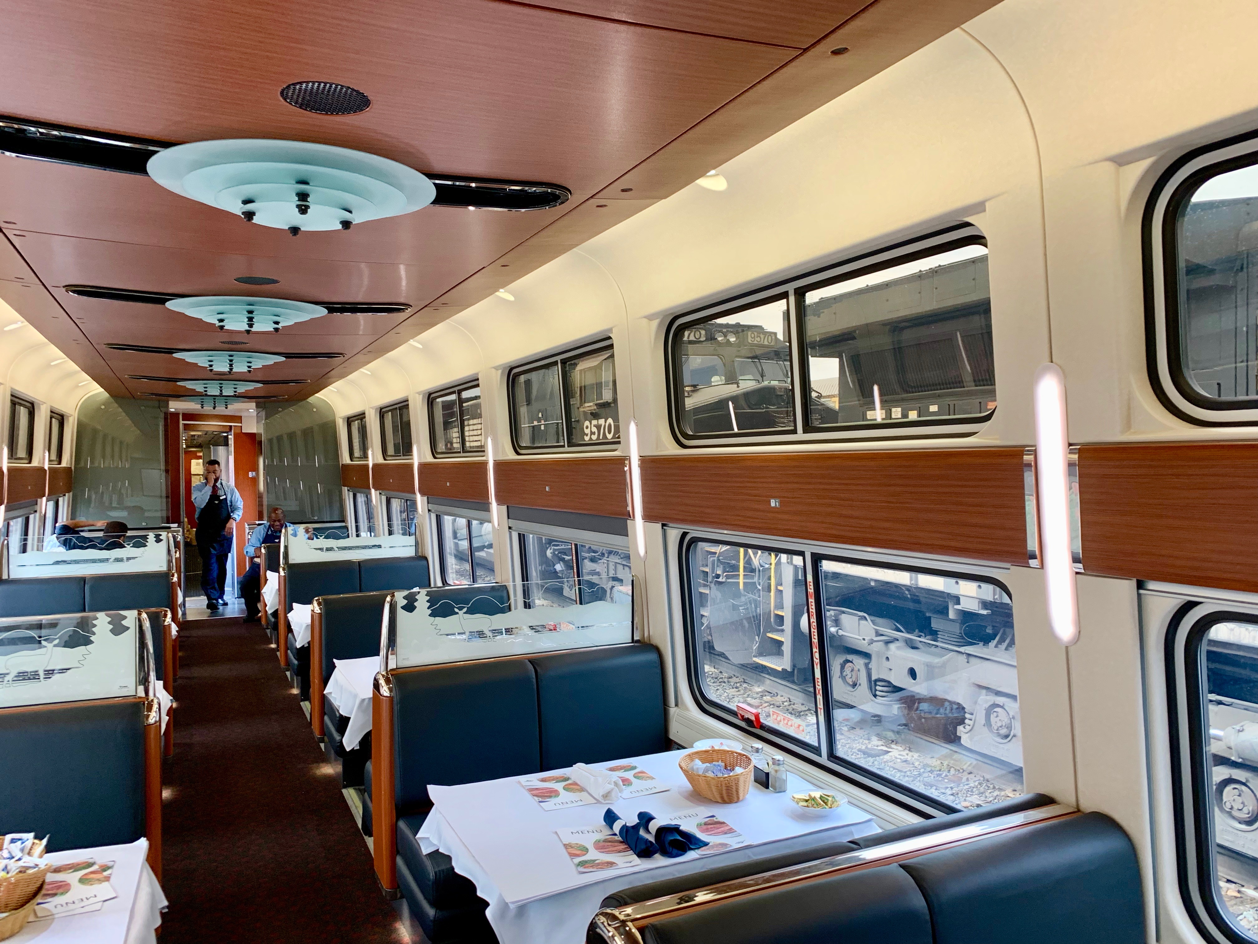The End Of An American Tradition The Amtrak Dining Car