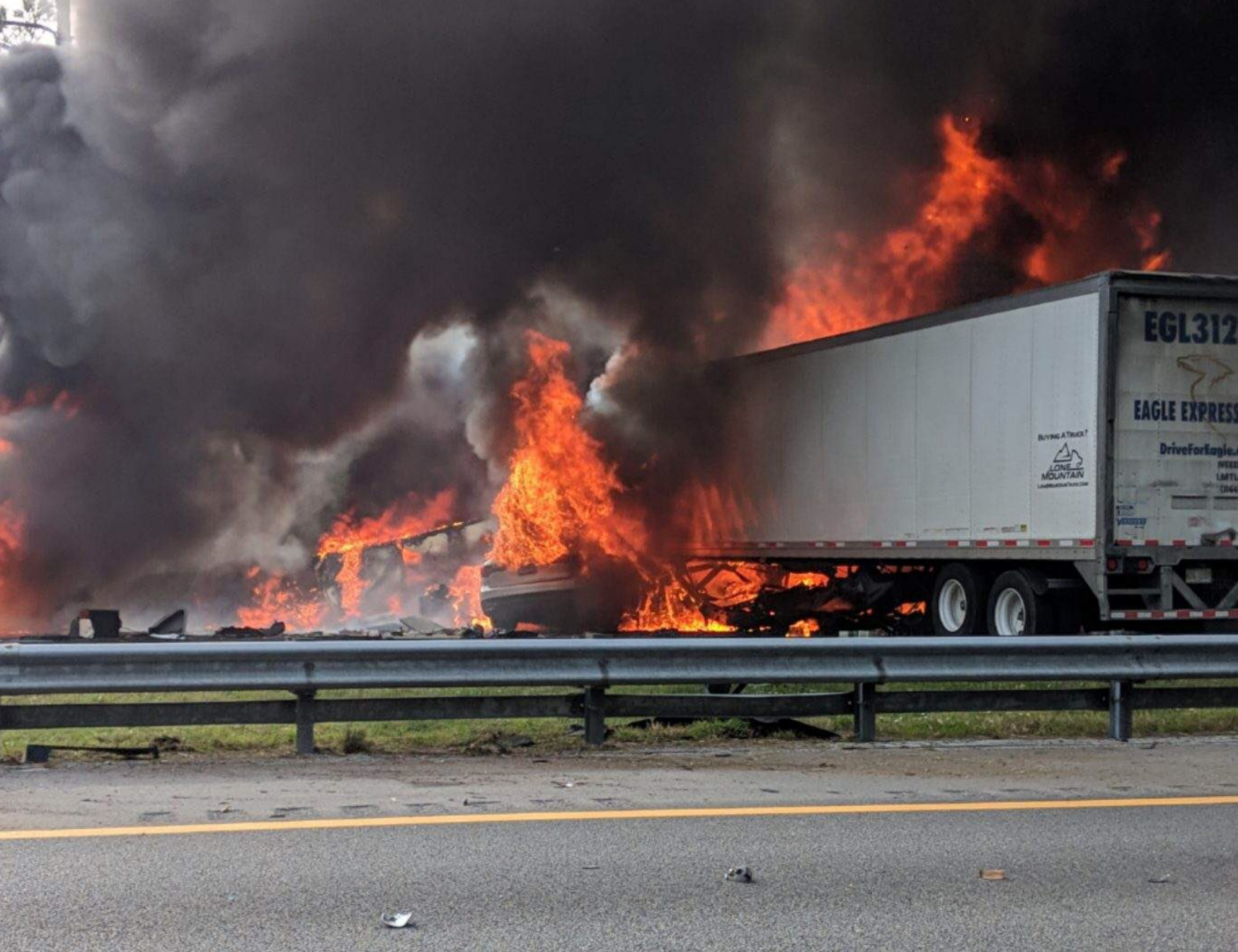 Florida I-75 crash: Seven killed, including five children from