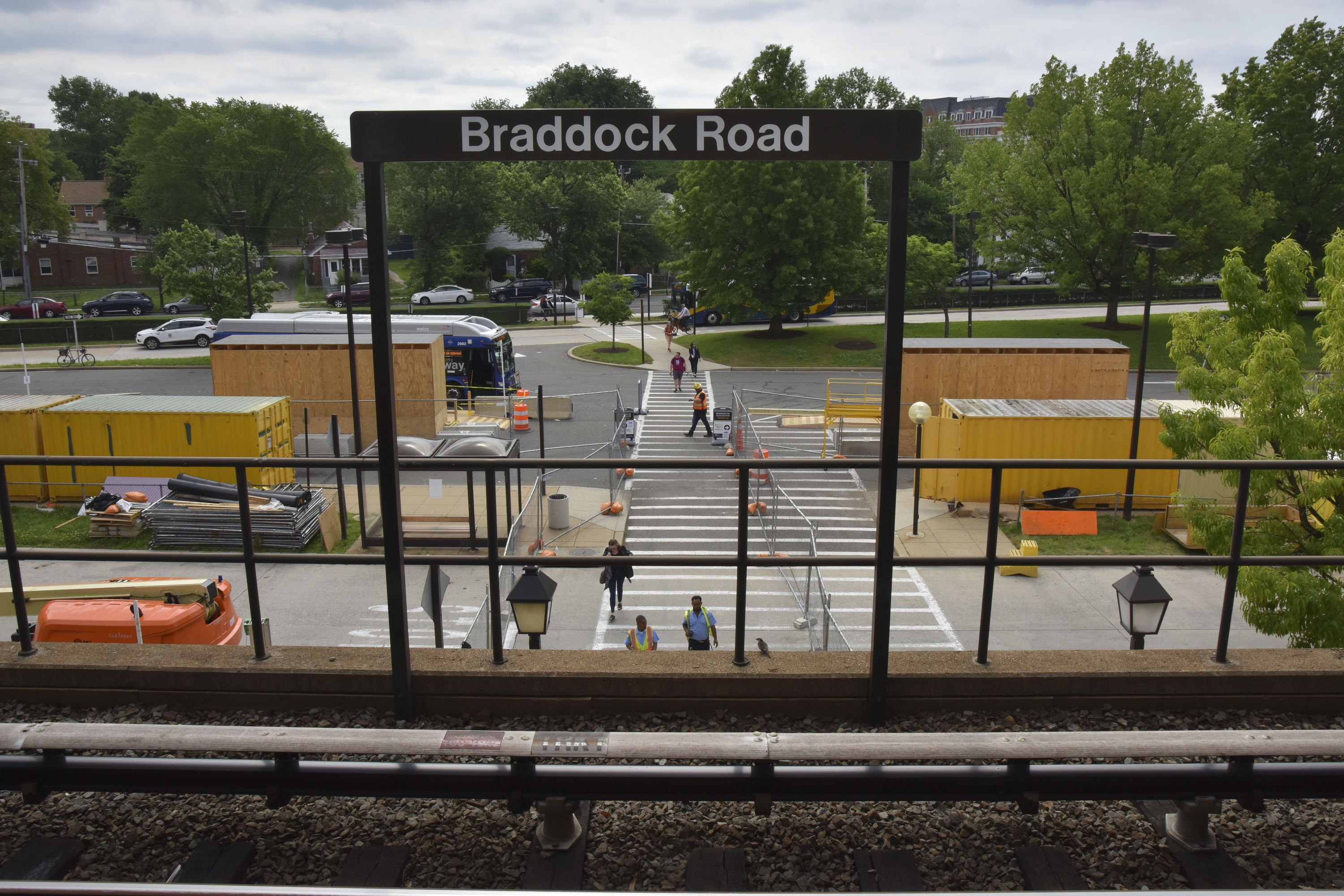 As shutdown looms on Blue and Yellow lines, Metro confronts