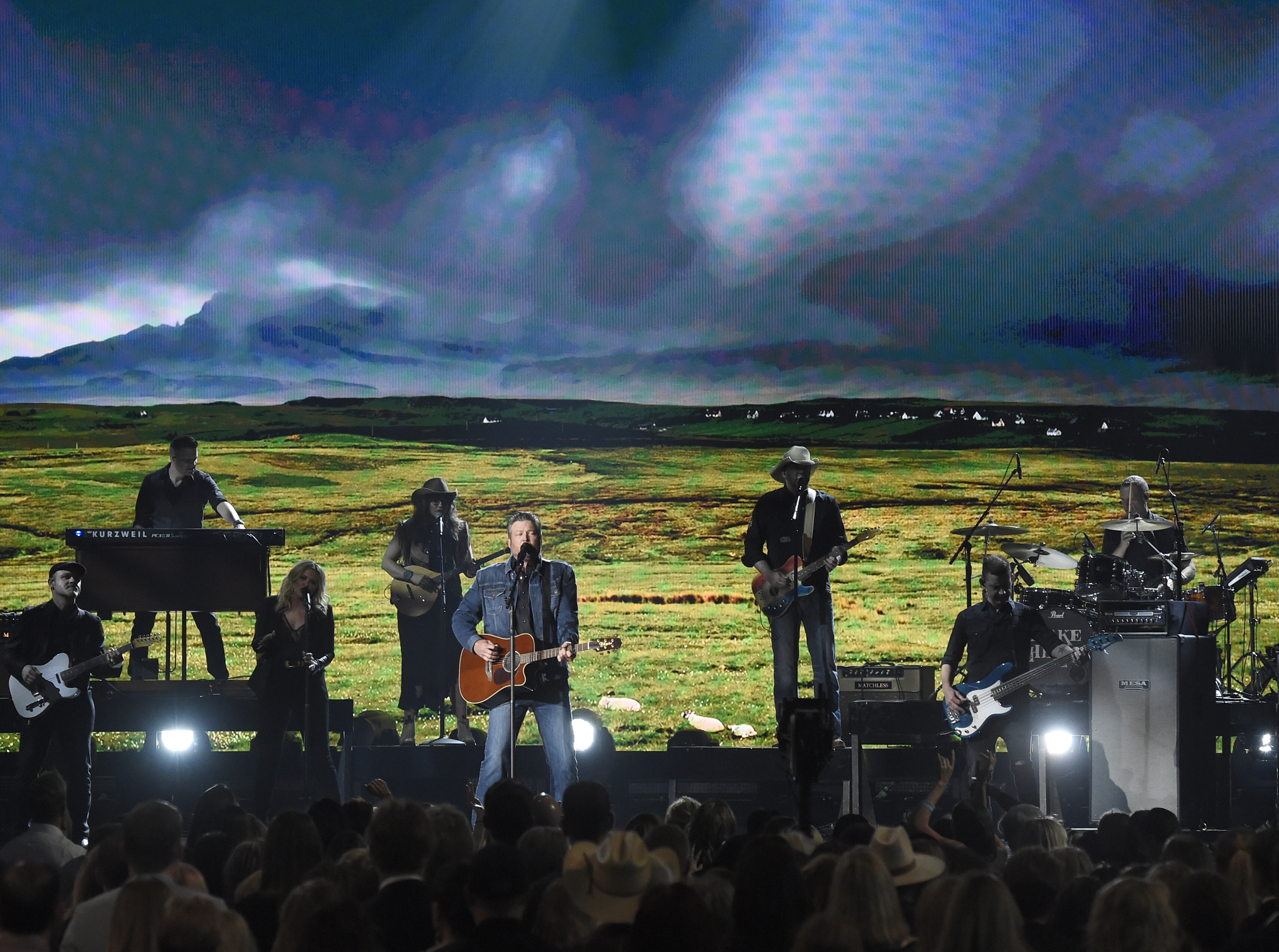 "Blake Shelton performs ""God's Country."" (Chris Pizzello/Invision/AP)"
