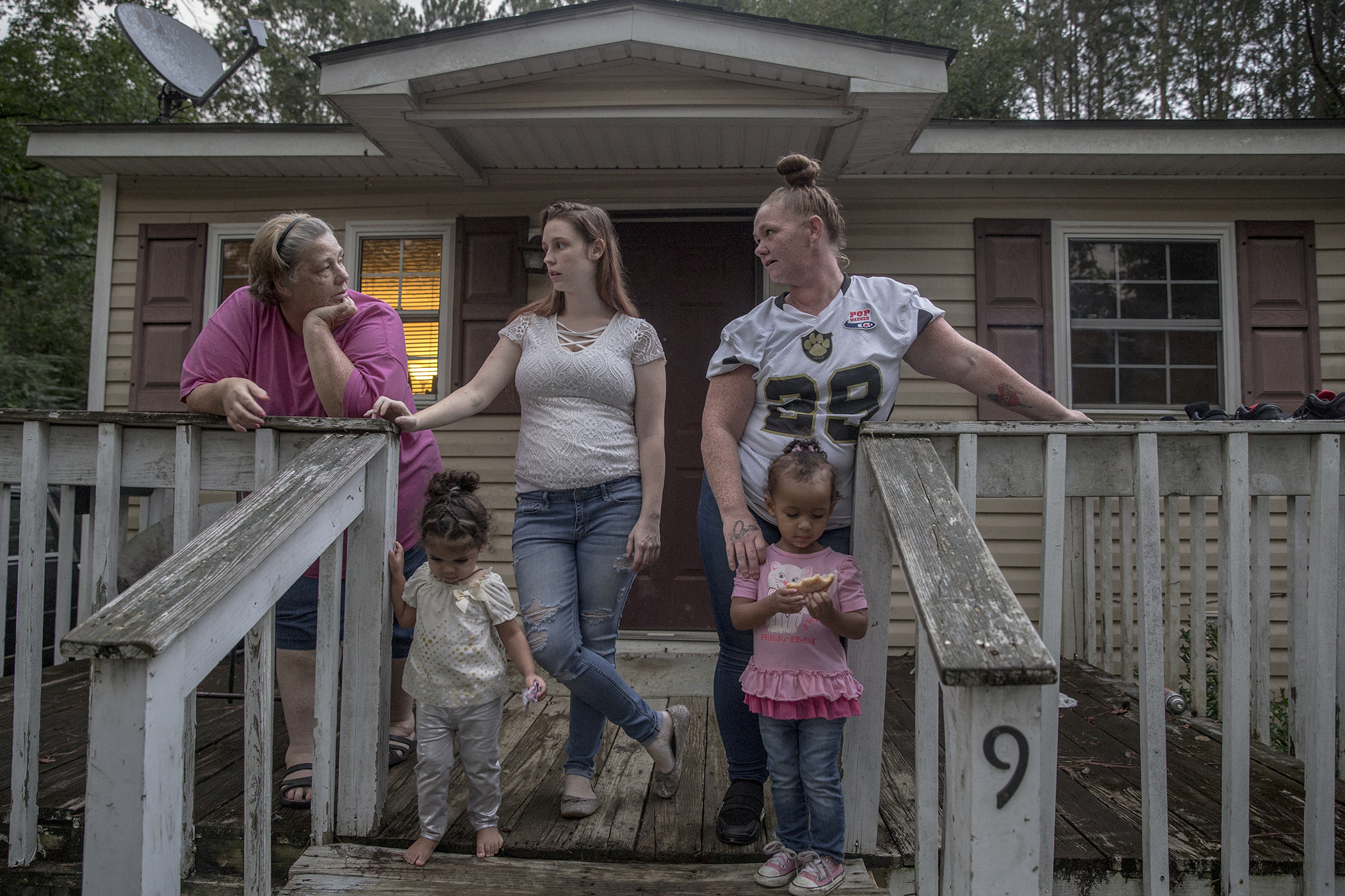 Having Parent Behind Bars Costs >> Parenthood Lost How Incarcerated Parents Are Losing Their Children