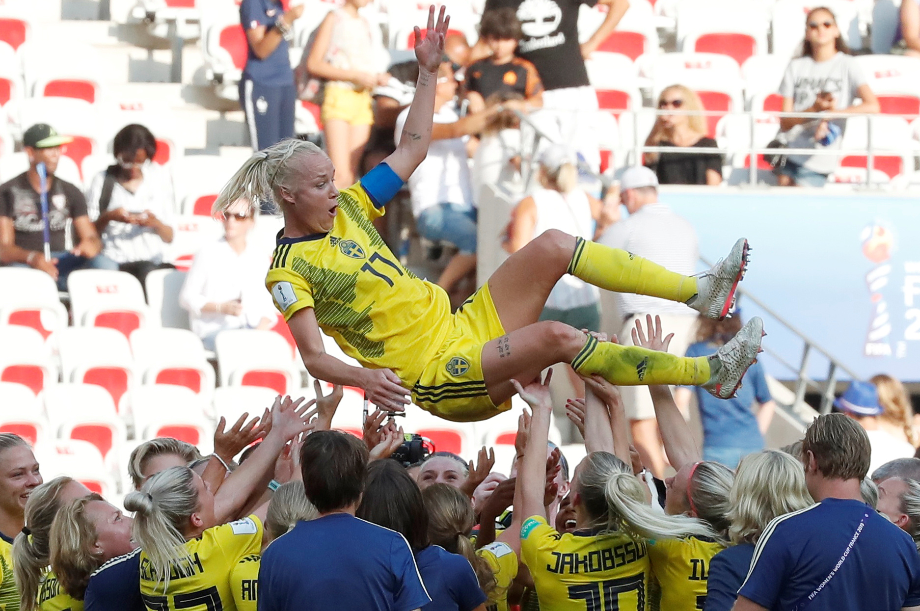 sweden hangs on to beat england take third place in women s world cup
