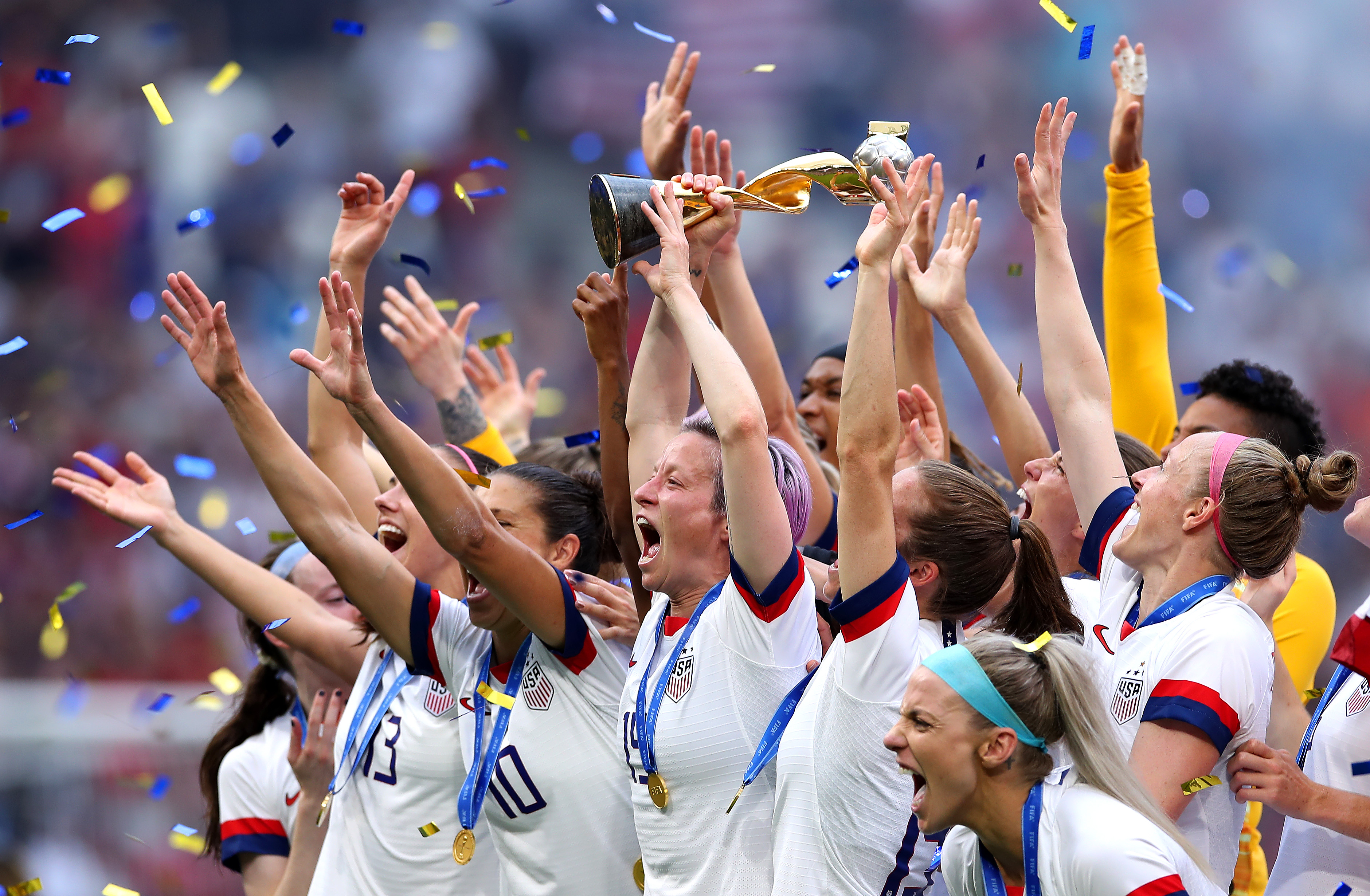 Are U S  women's soccer players really earning less than men