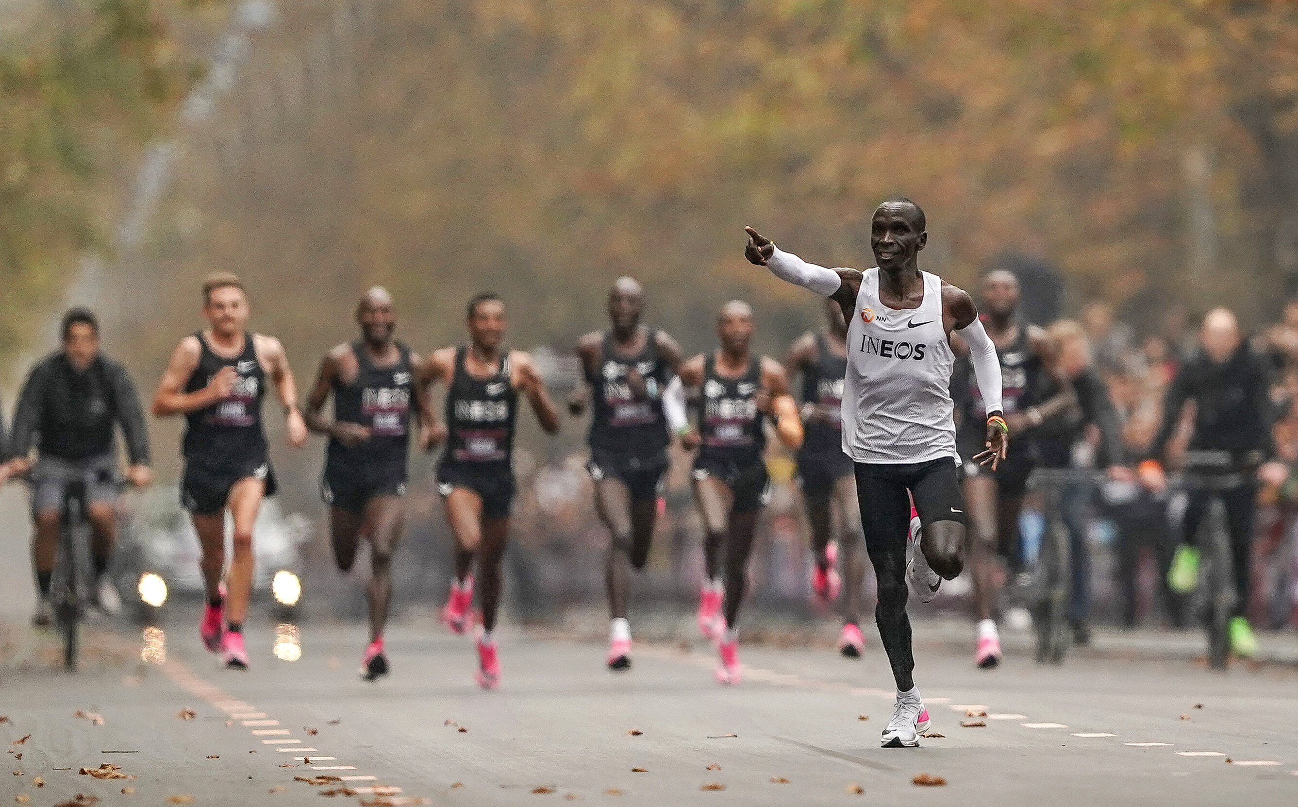 in for a Record Eliud Kipchoge Nike Goes News World Berlin qUpzSMVG