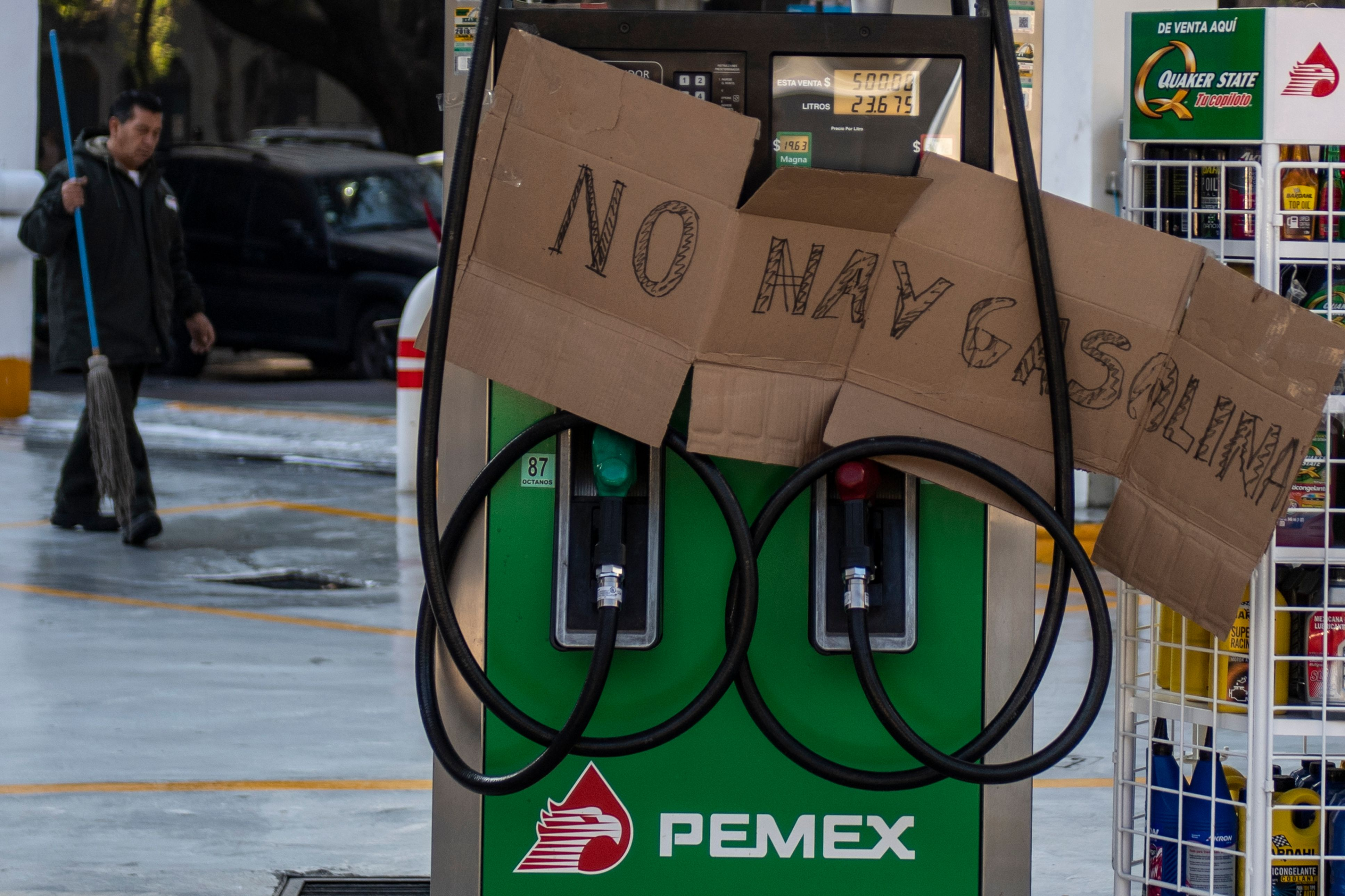 Gas stations in Mexico run out of gas as government cracks