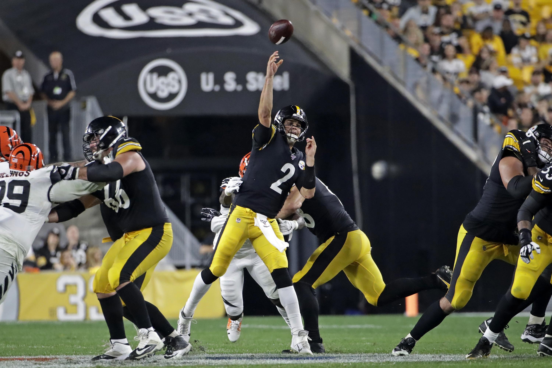Steelers Bengals Pittsburgh Steamrolls Cincinnati To Earn