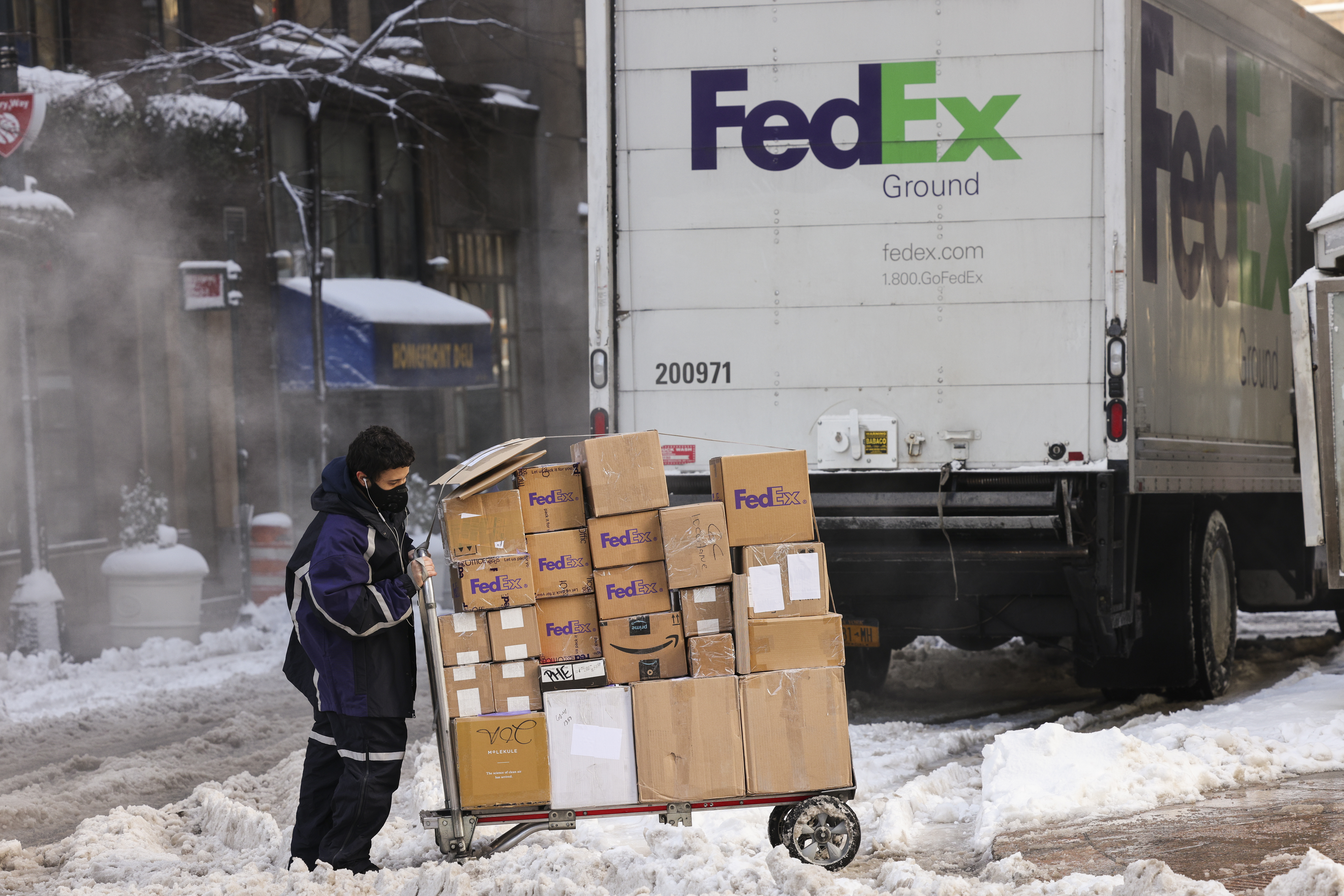 Last Day To Ship Usps For Christmas 2021 E Commerce Sales Boomed In 2020 Causing Usps Delays The Washington Post