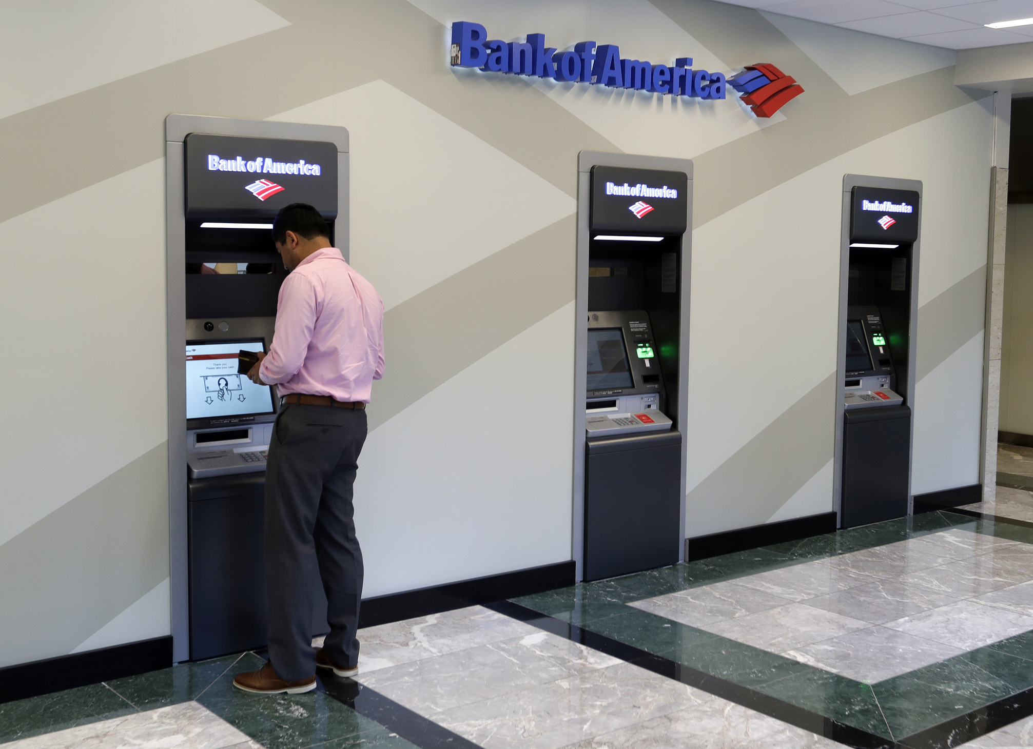 Big banks are still paying American savers almost nothing