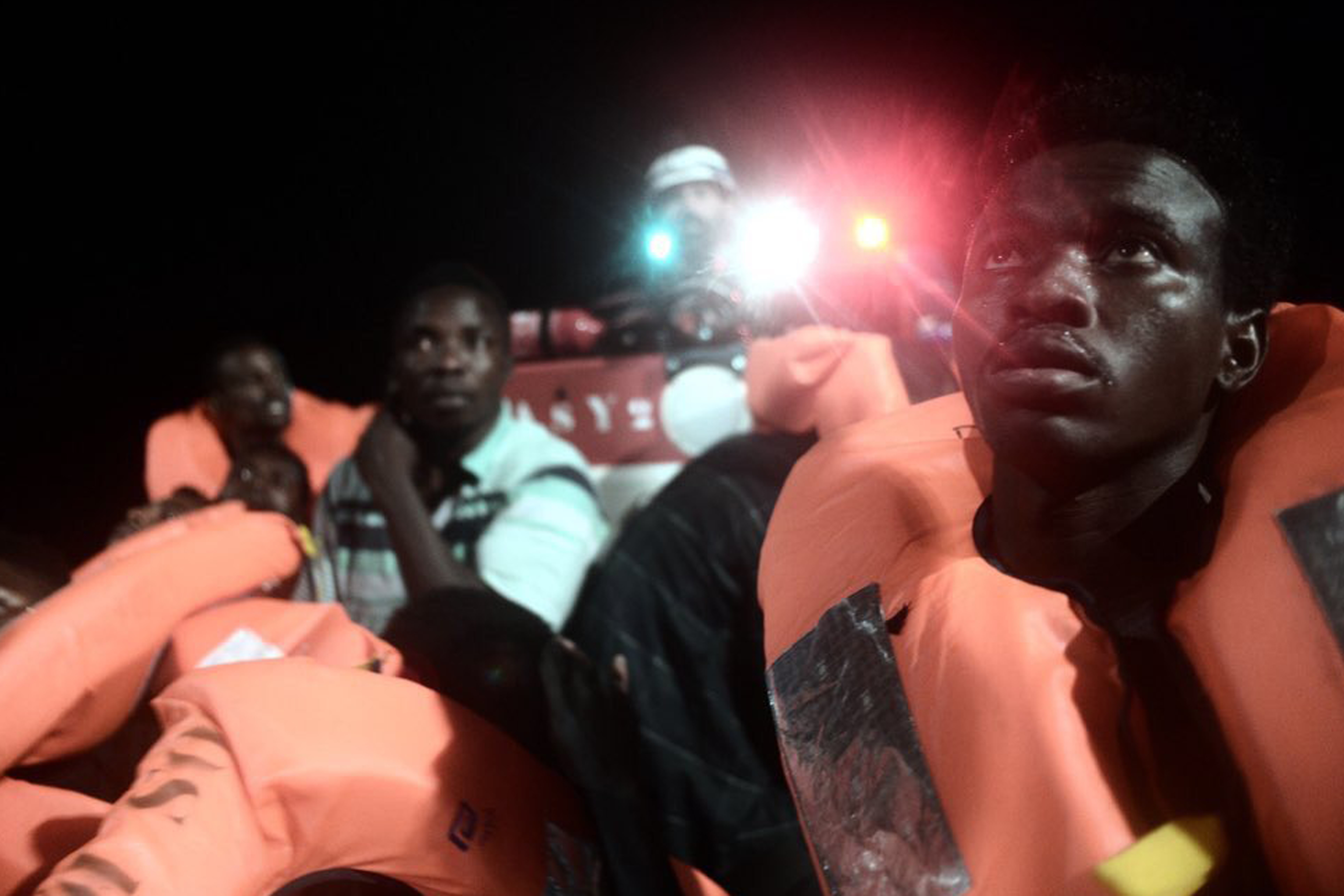 Italy shuts ports to ship with more than 600 migrants