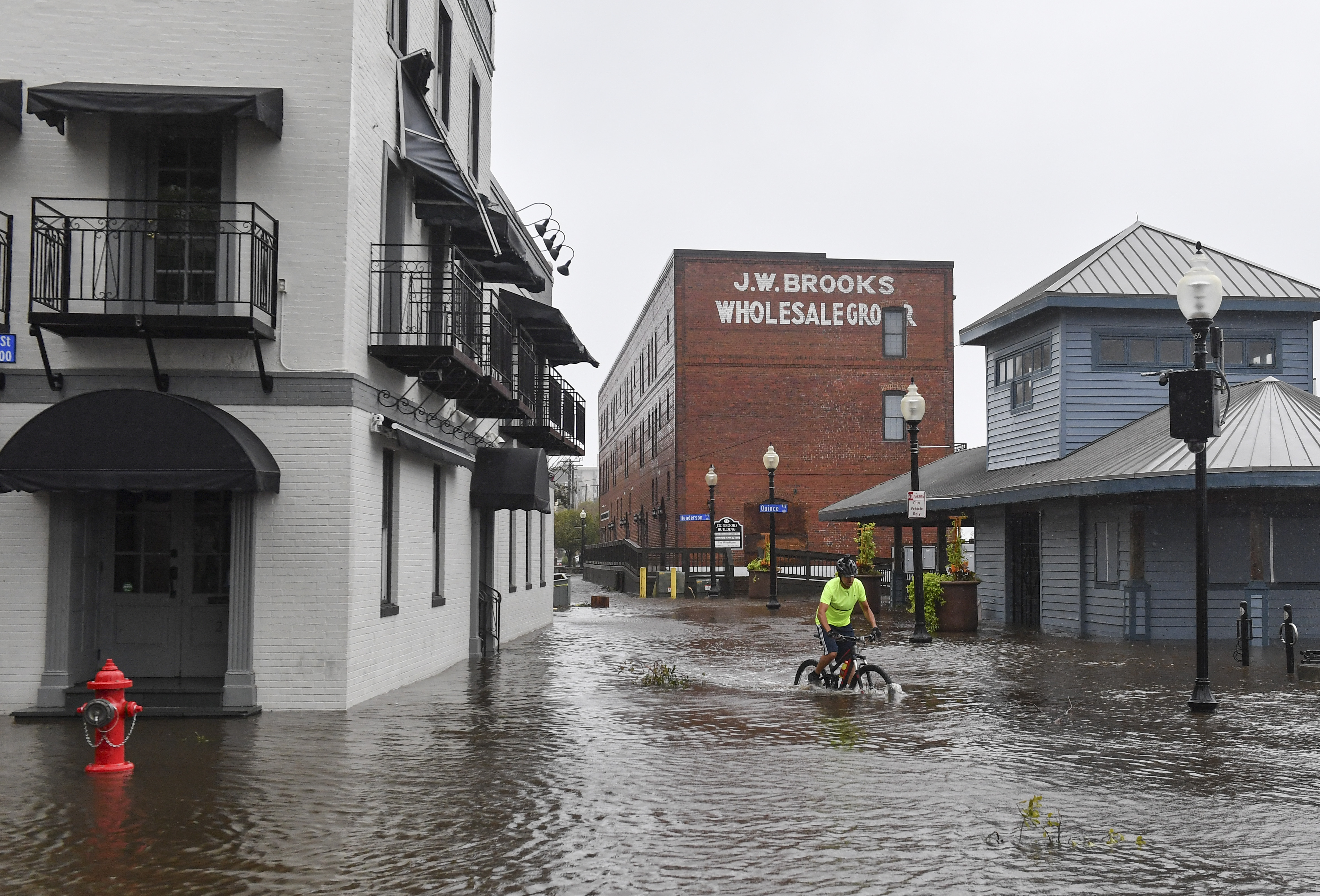 Florence: After hurricane, North Carolina grapples with floods