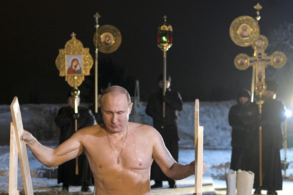 Vladimir Putin Takes Icy Plunge To Mark Epiphany The Washington Post