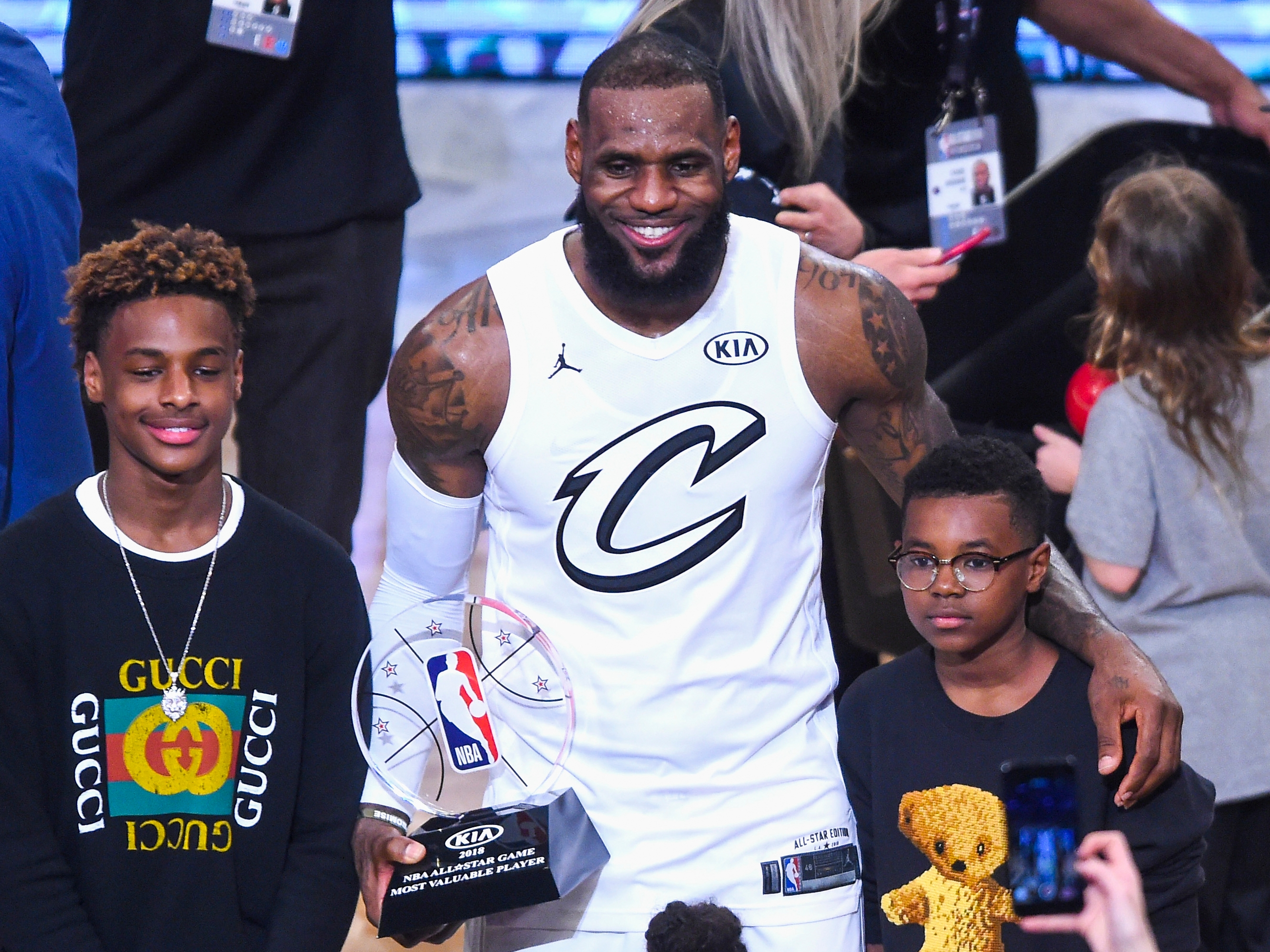 Sons of LeBron James, Dwyane Wade to play together in high