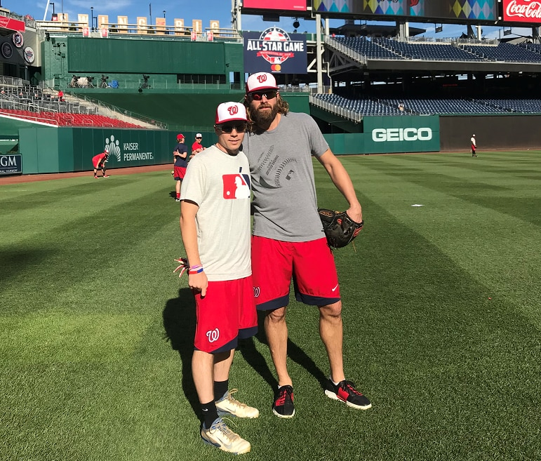 Matt Mika and Jayson Werth before a Nationals game last September.