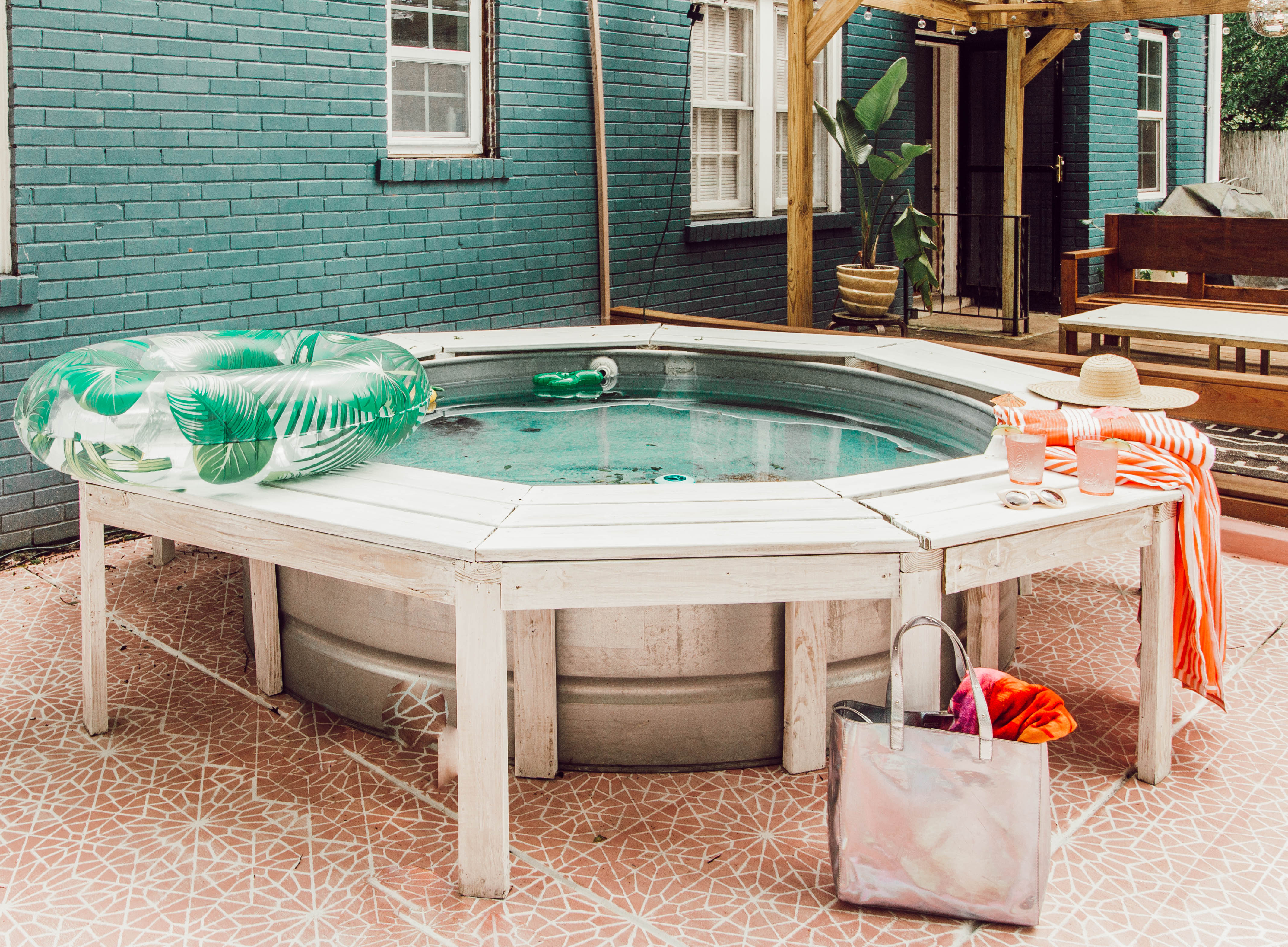 Do It Yourselfers Are Turning Livestock Watering Tanks Into Backyard Pools Here S How The Washington Post