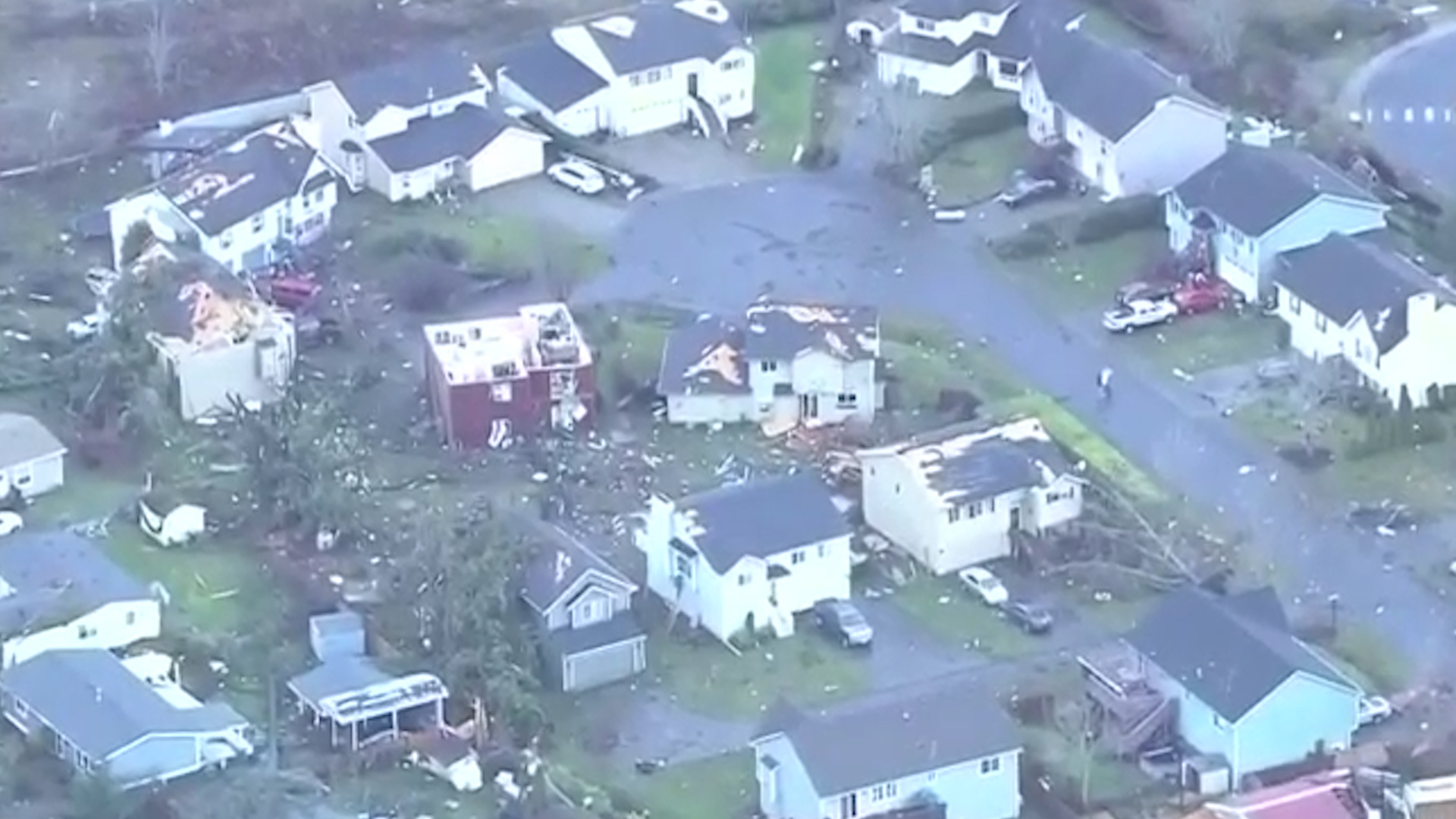 Seattle-area tornado damages homes