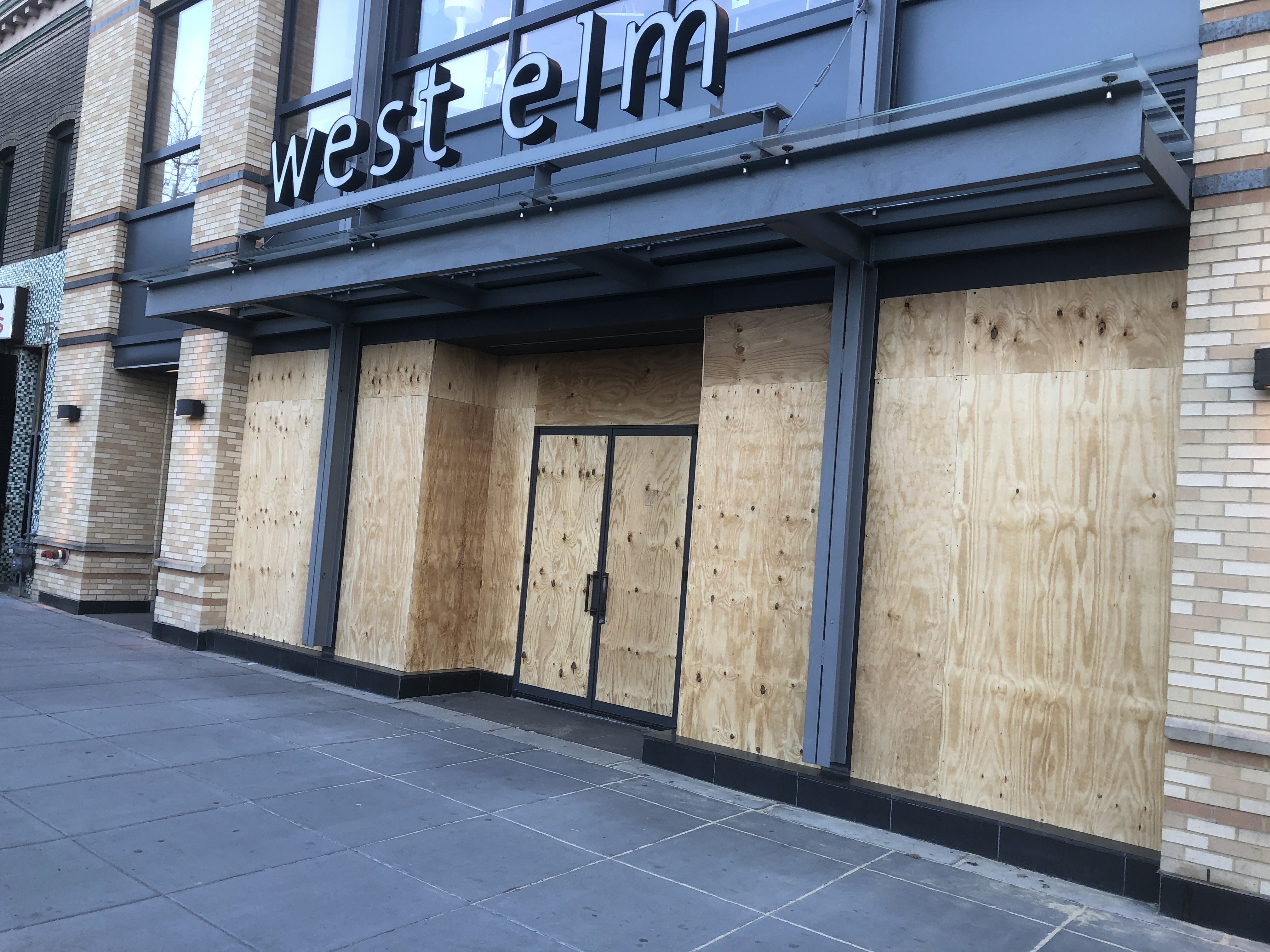 D C Stores Board Up Windows During Coronavirus Pandemic The Washington Post